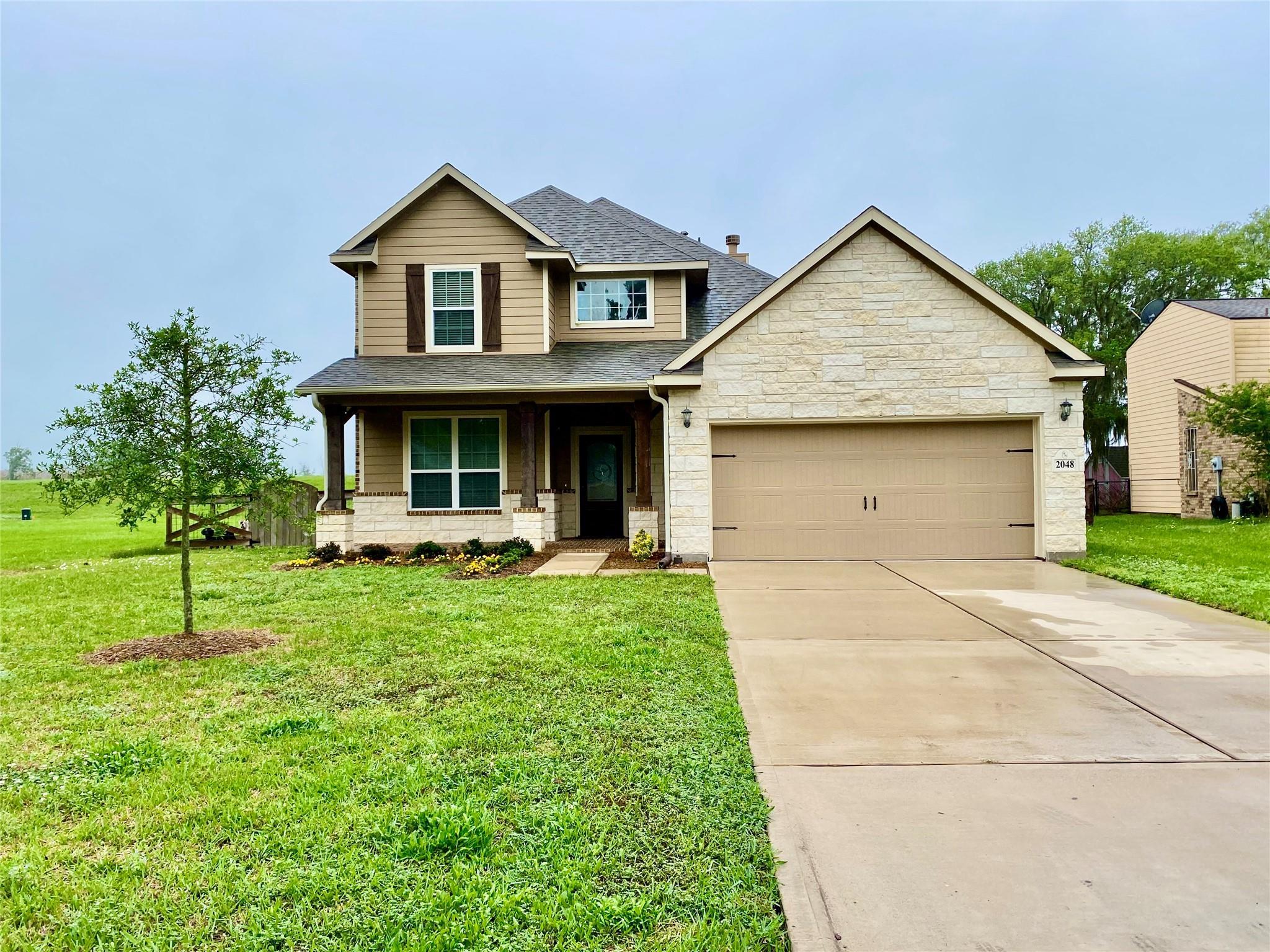 2048 Twin Lakes Boulevard Property Photo