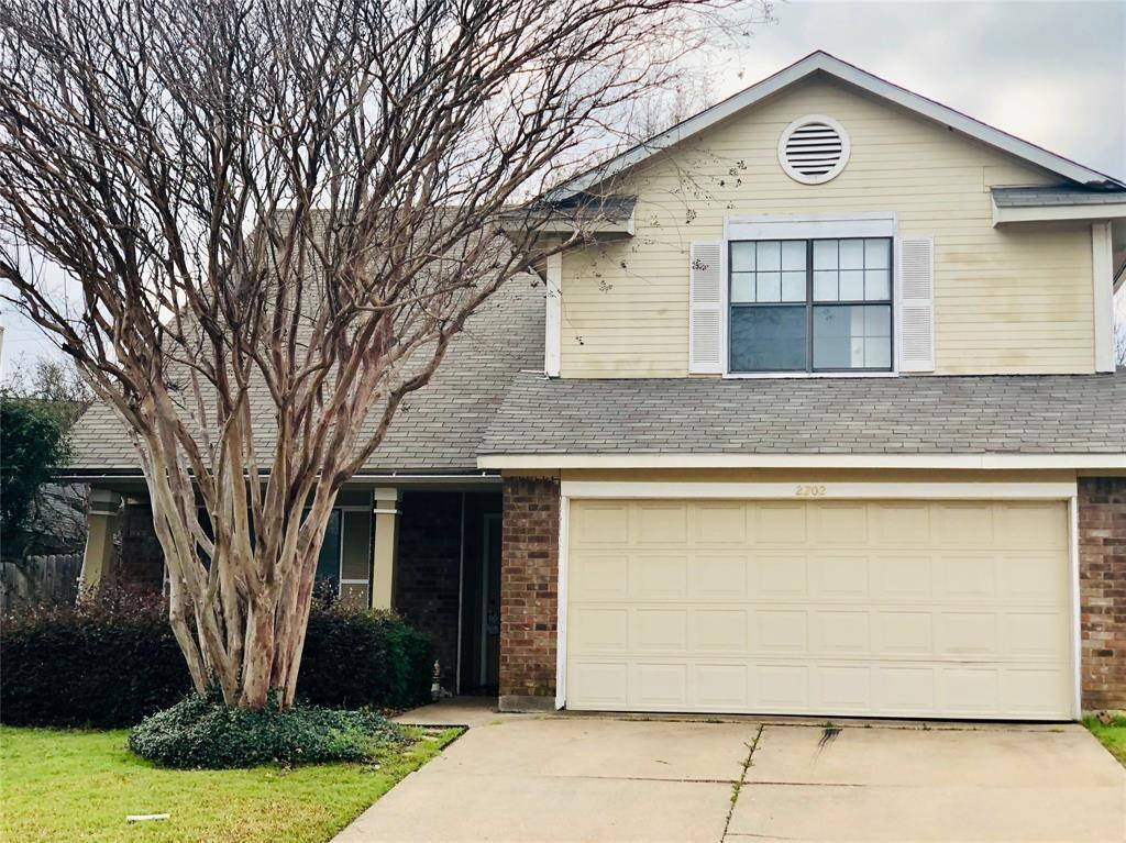 2202 Woodland Oaks Drive, Arlington, TX 76013 - Arlington, TX real estate listing