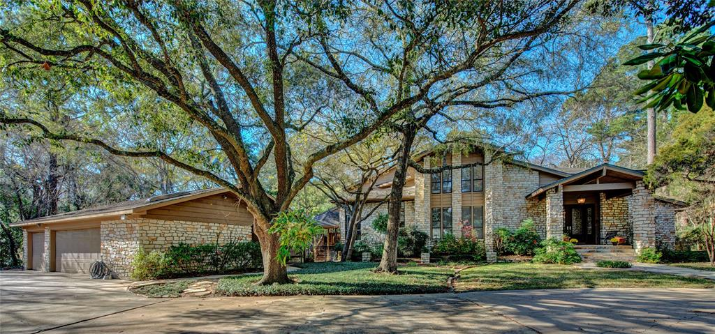210 Stanley Court Property Photo - Friendswood, TX real estate listing
