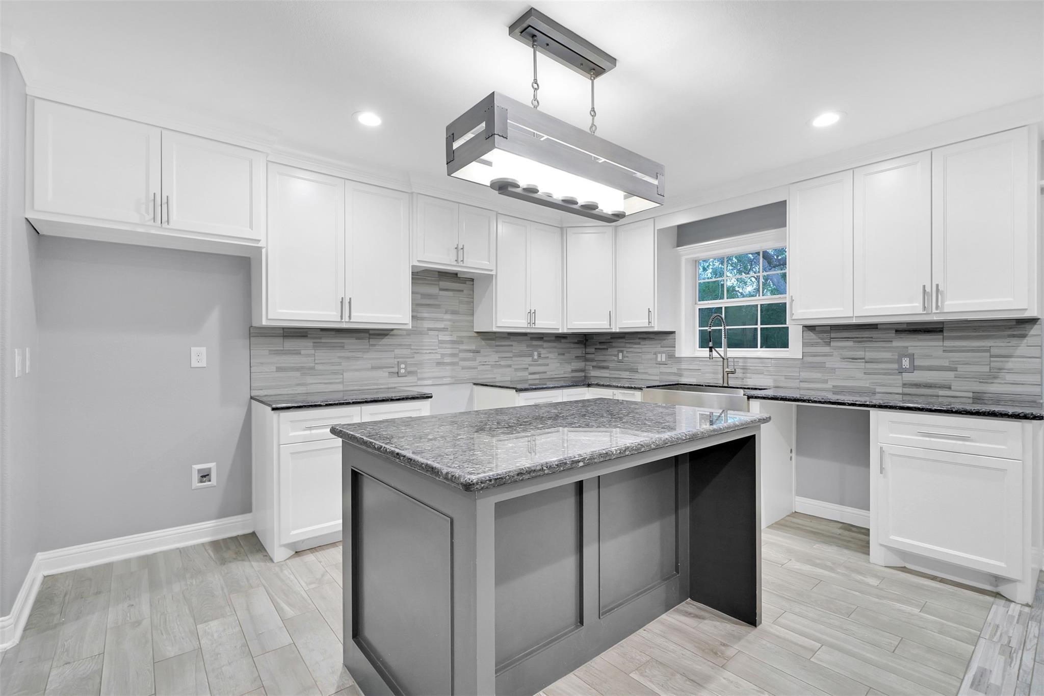8122 Niles Street Property Photo