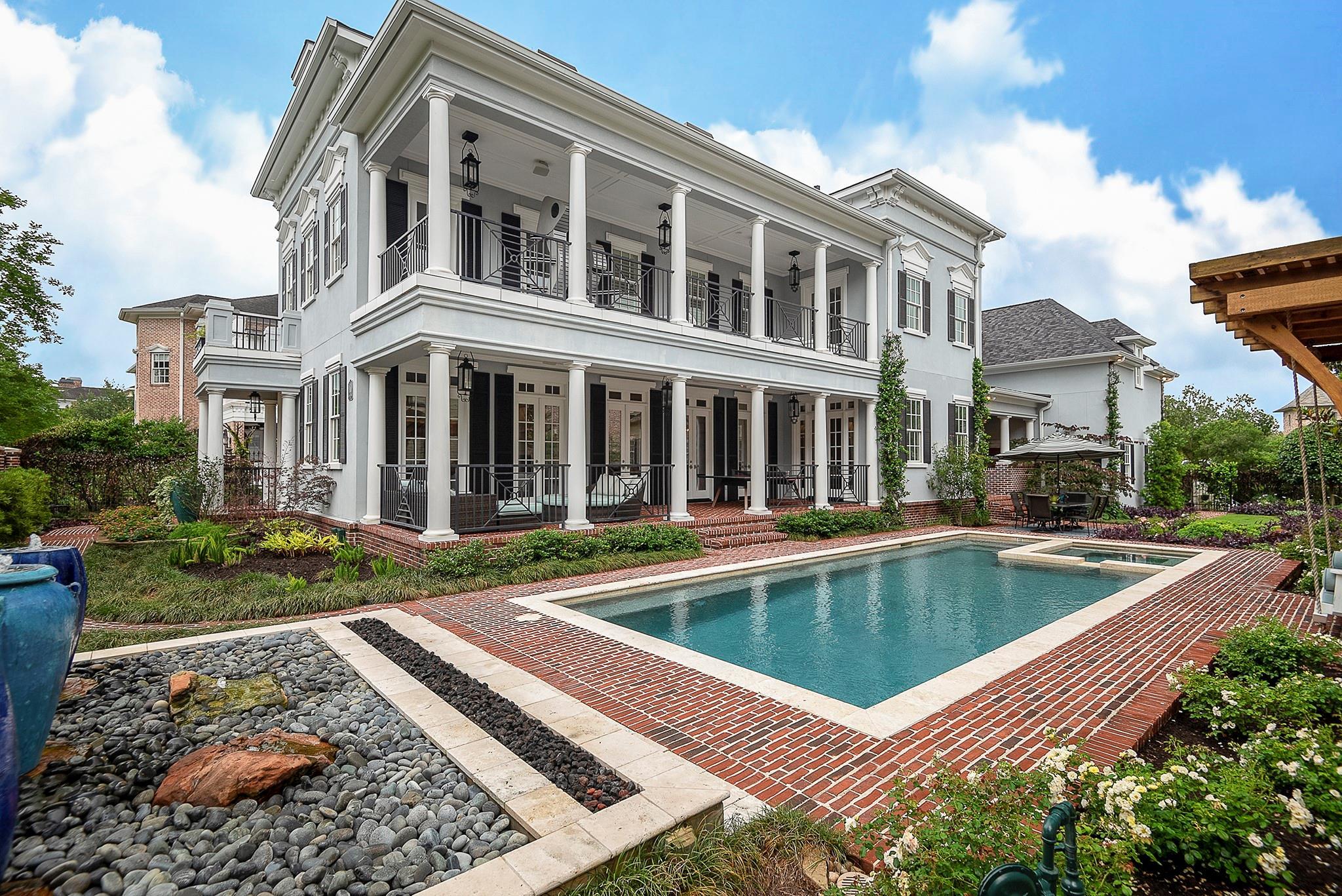 10 E Bay Boulevard Property Photo