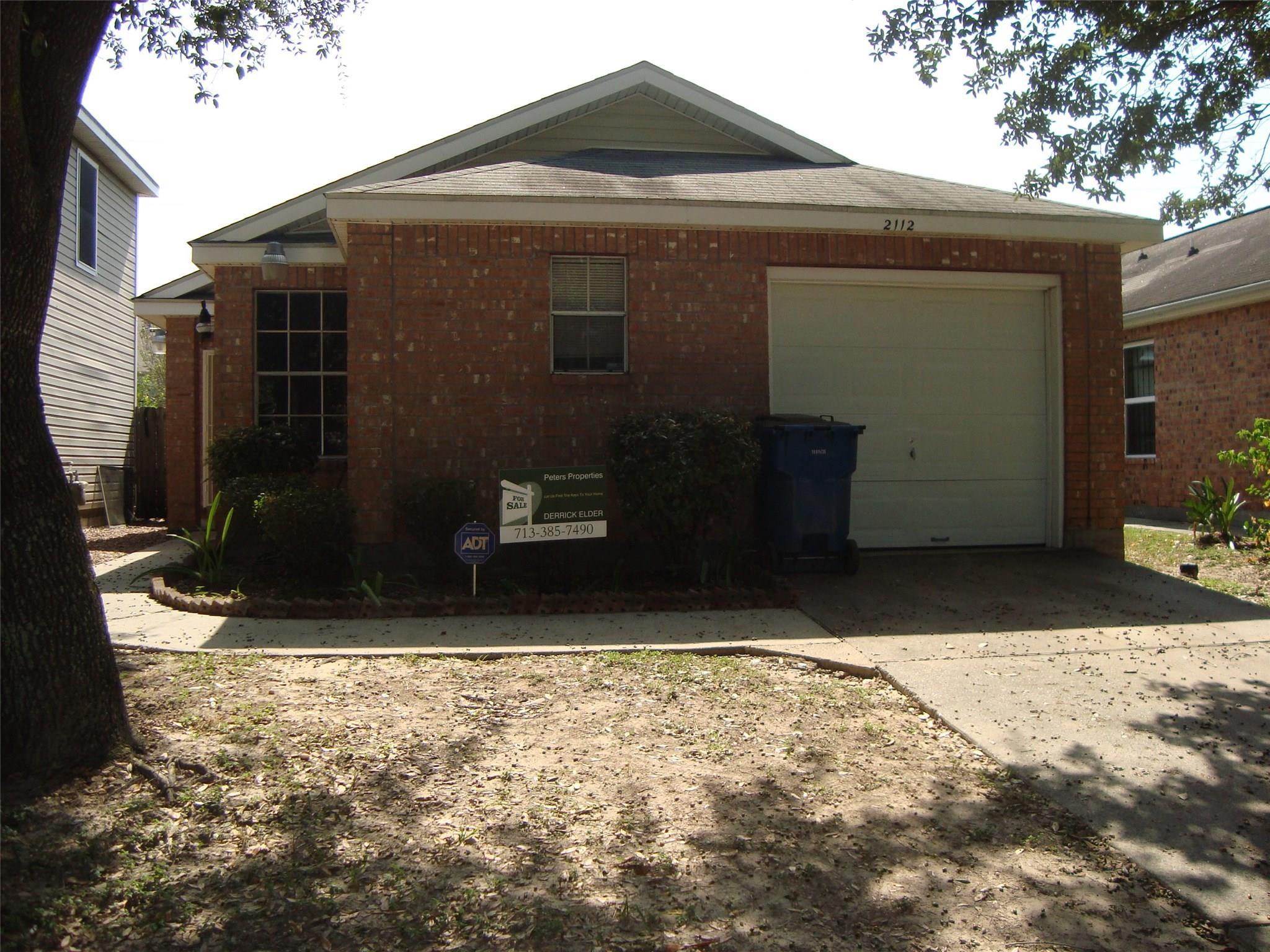 2112 Whittier Drive Property Photo - Houston, TX real estate listing