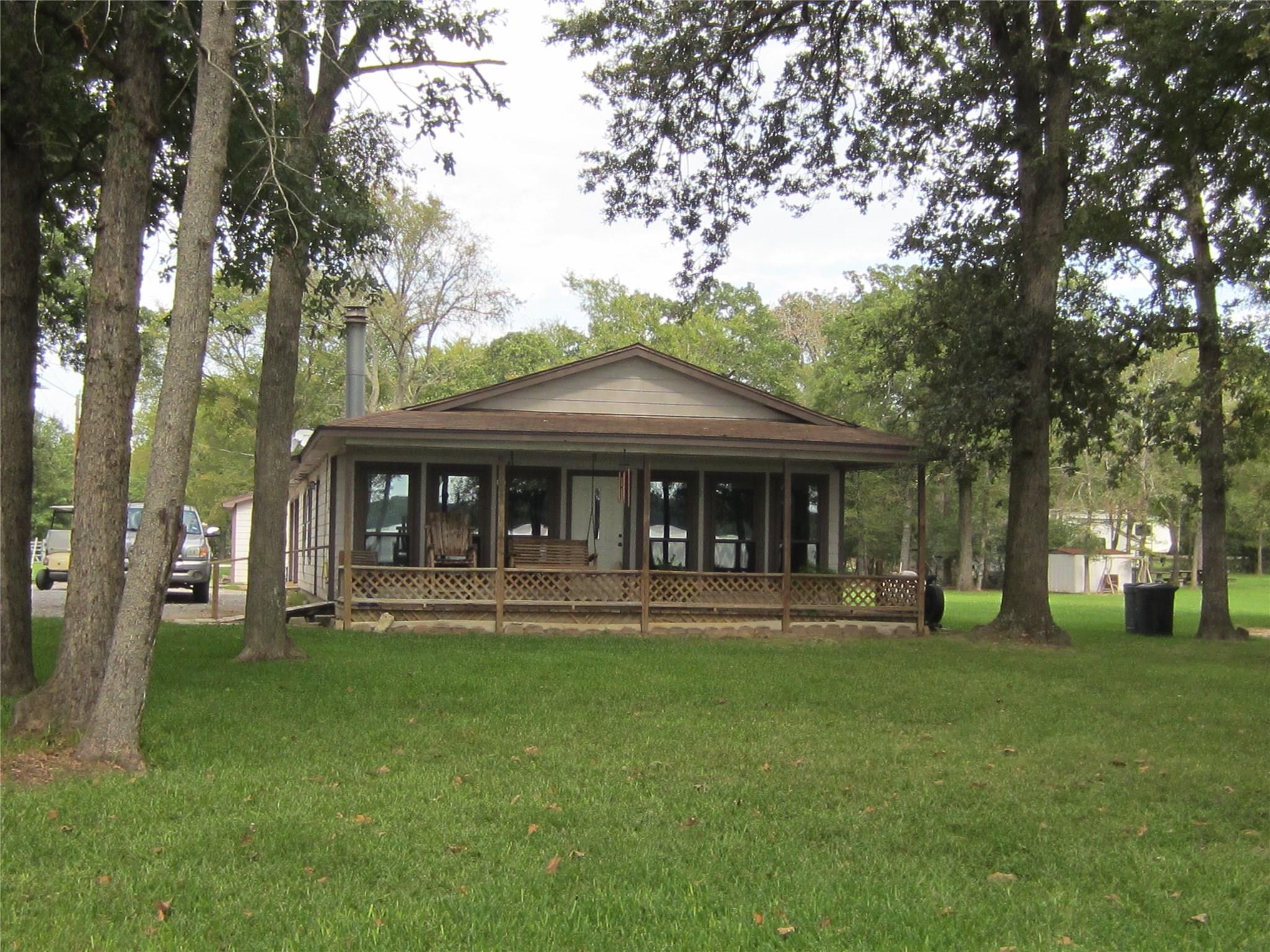 11779 Pin Oak Court Property Photo - Thornton, TX real estate listing