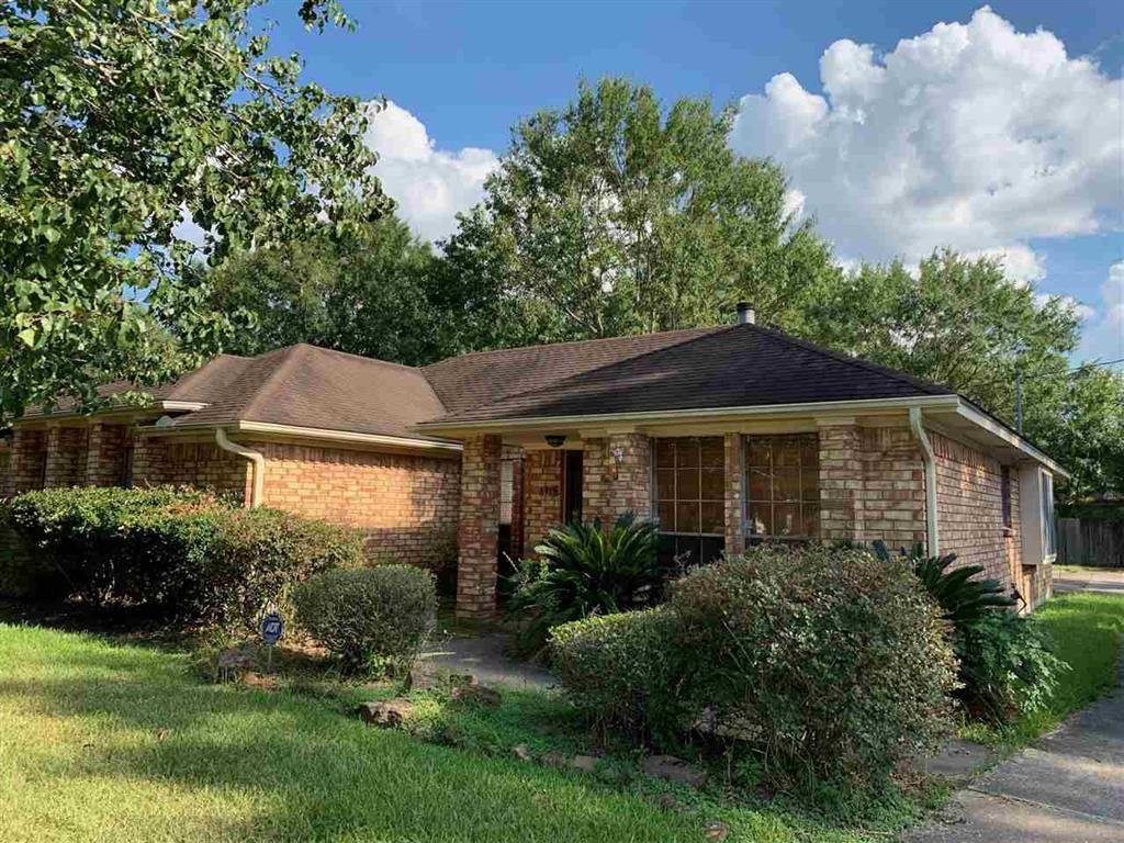 6915 Firethorn Drive, Beaumont, TX 77708 - Beaumont, TX real estate listing