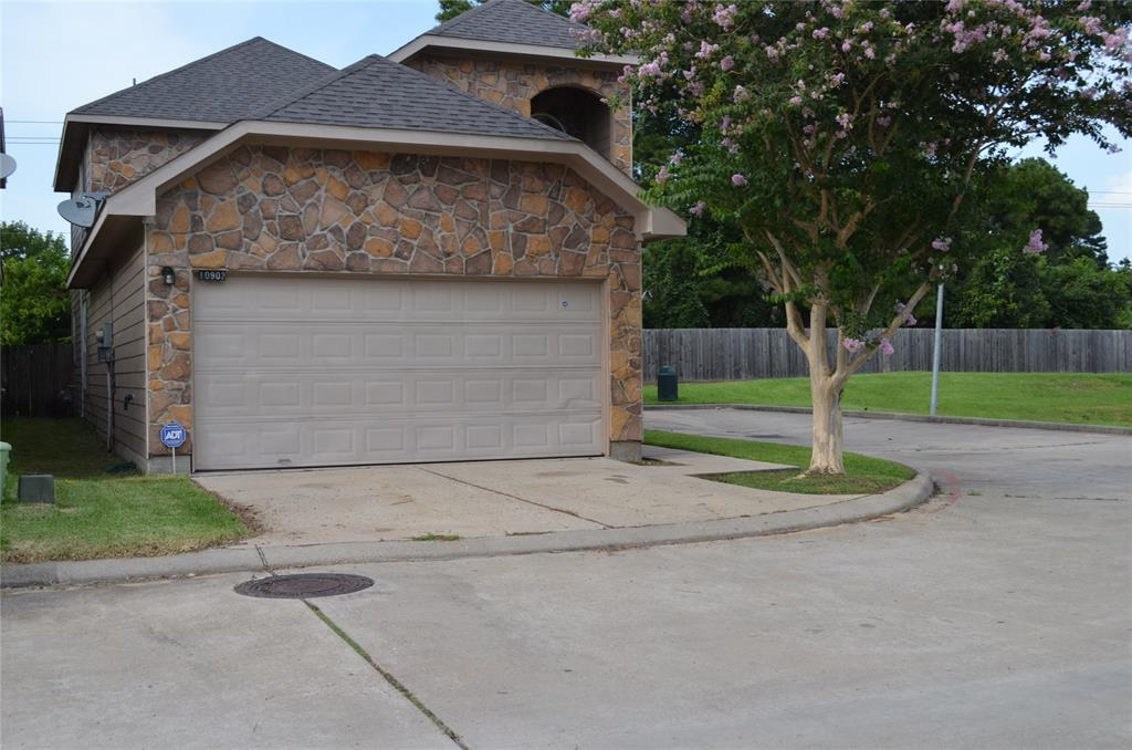 10902 Panther Court, Houston, TX 77099 - Houston, TX real estate listing