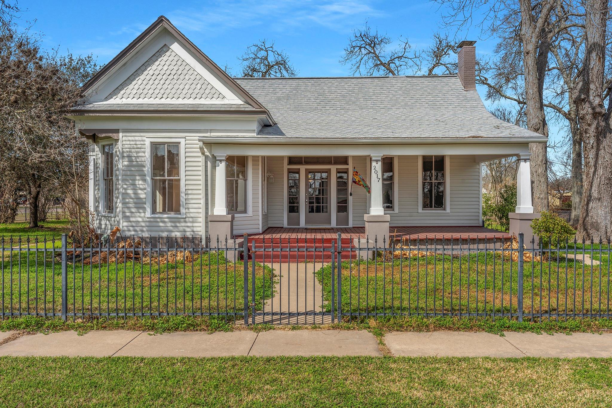 2017 4 th Street Property Photo - Bay City, TX real estate listing