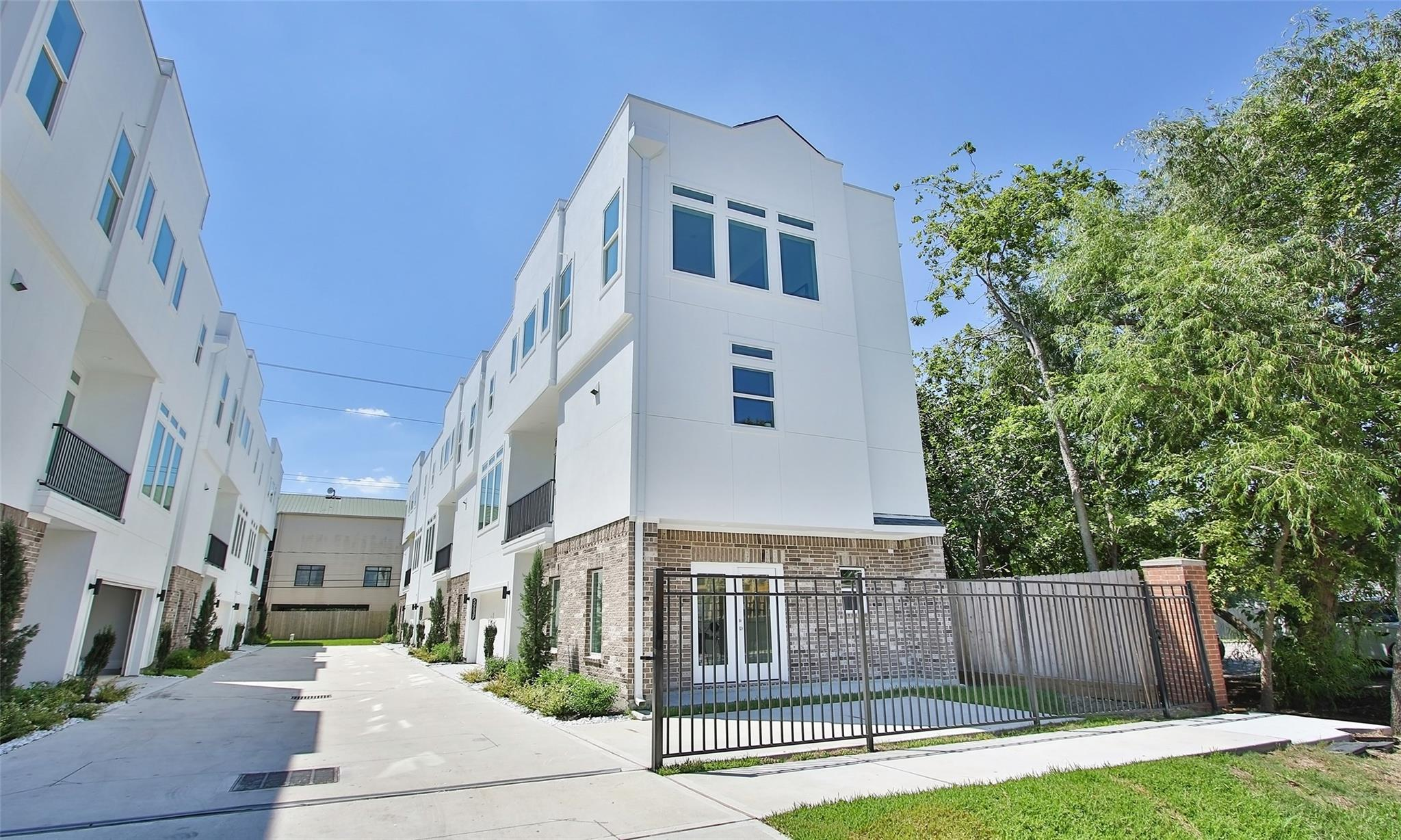 5903 Val Verde Street #C Property Photo - Houston, TX real estate listing