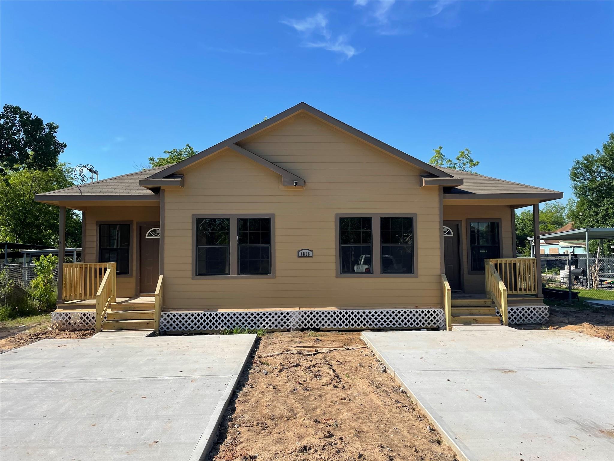 4826 Higgins Street Property Photo