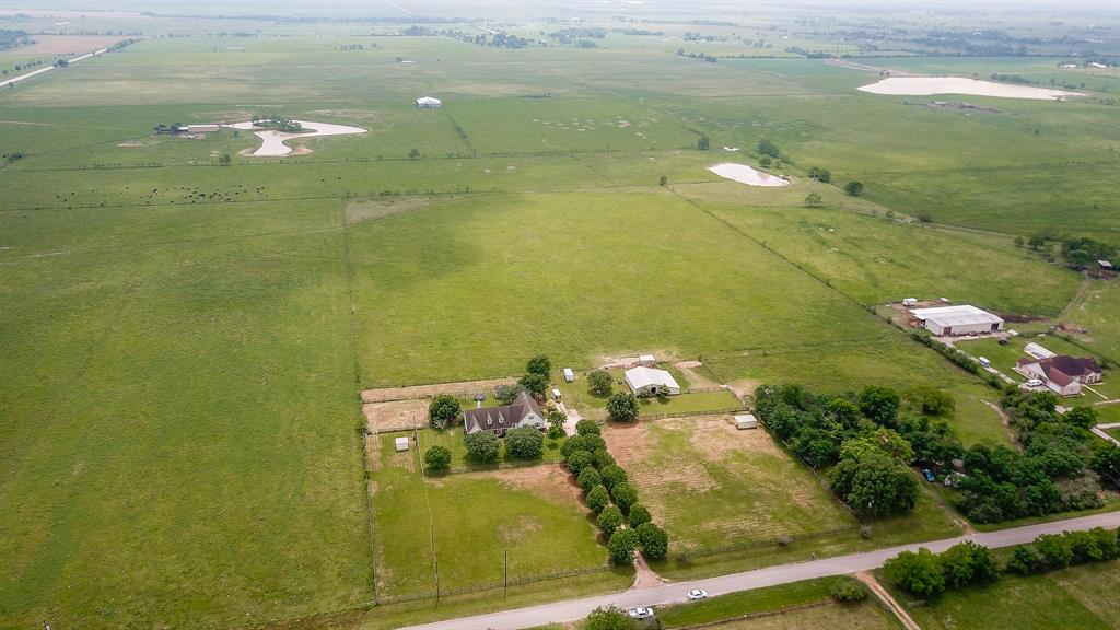33111 Rochen Road Property Photo - Waller, TX real estate listing
