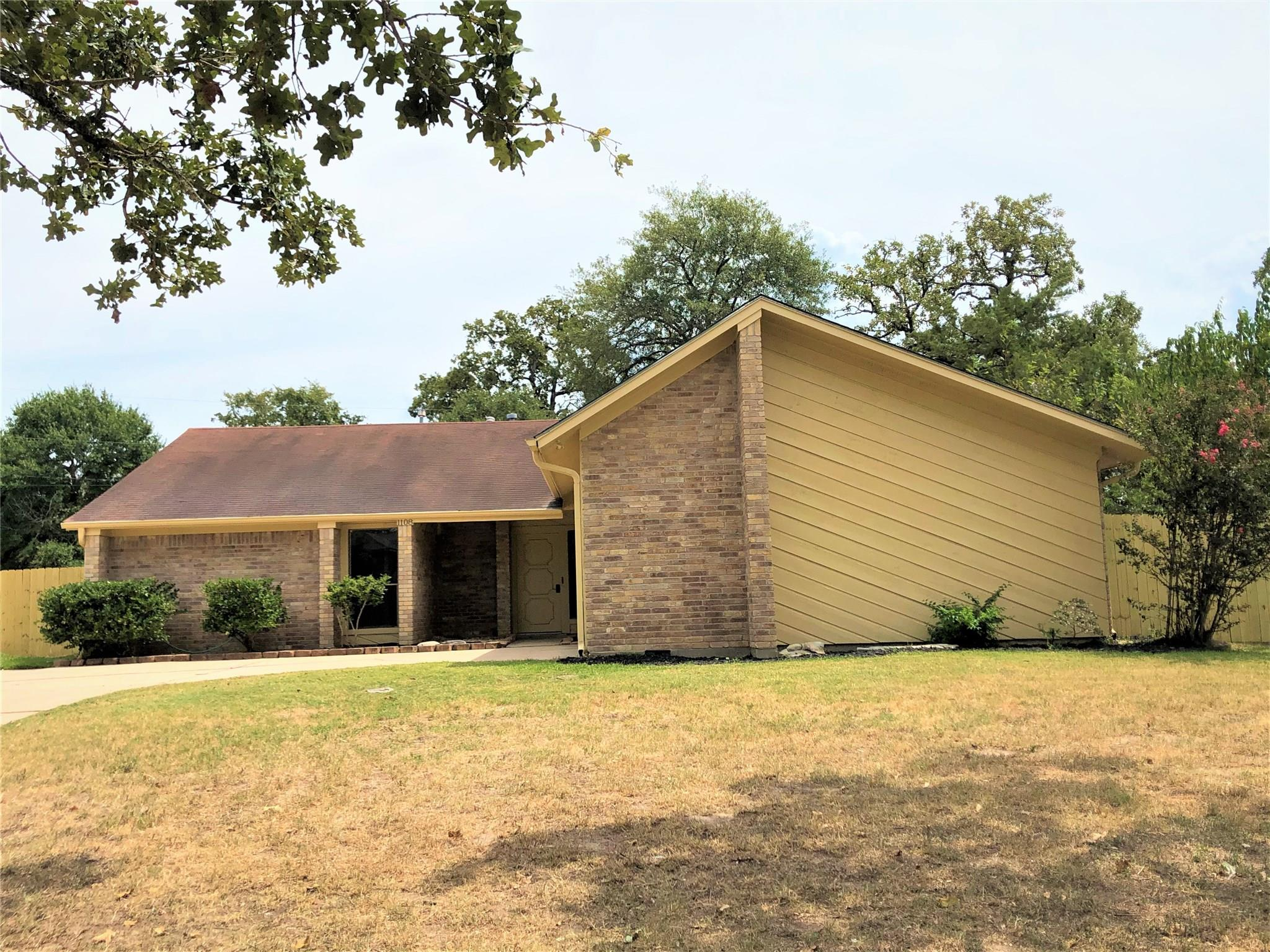1108 Haley Place Property Photo