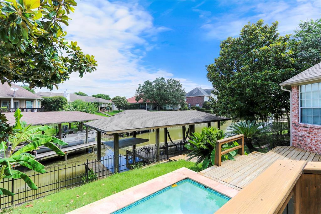 20526 Riverside Pines Drive Property Photo - Houston, TX real estate listing