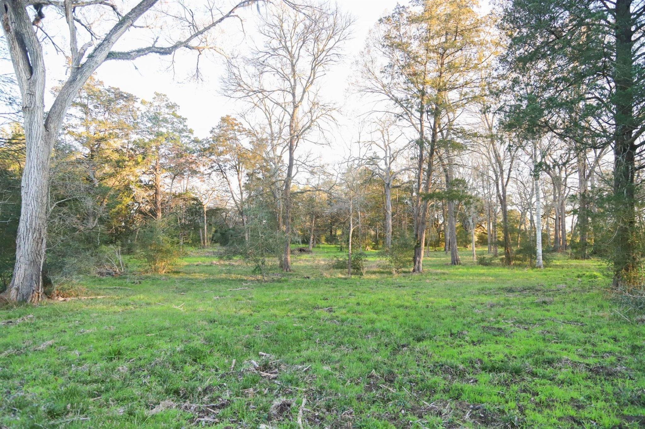 1076 Woodridge Property Photo