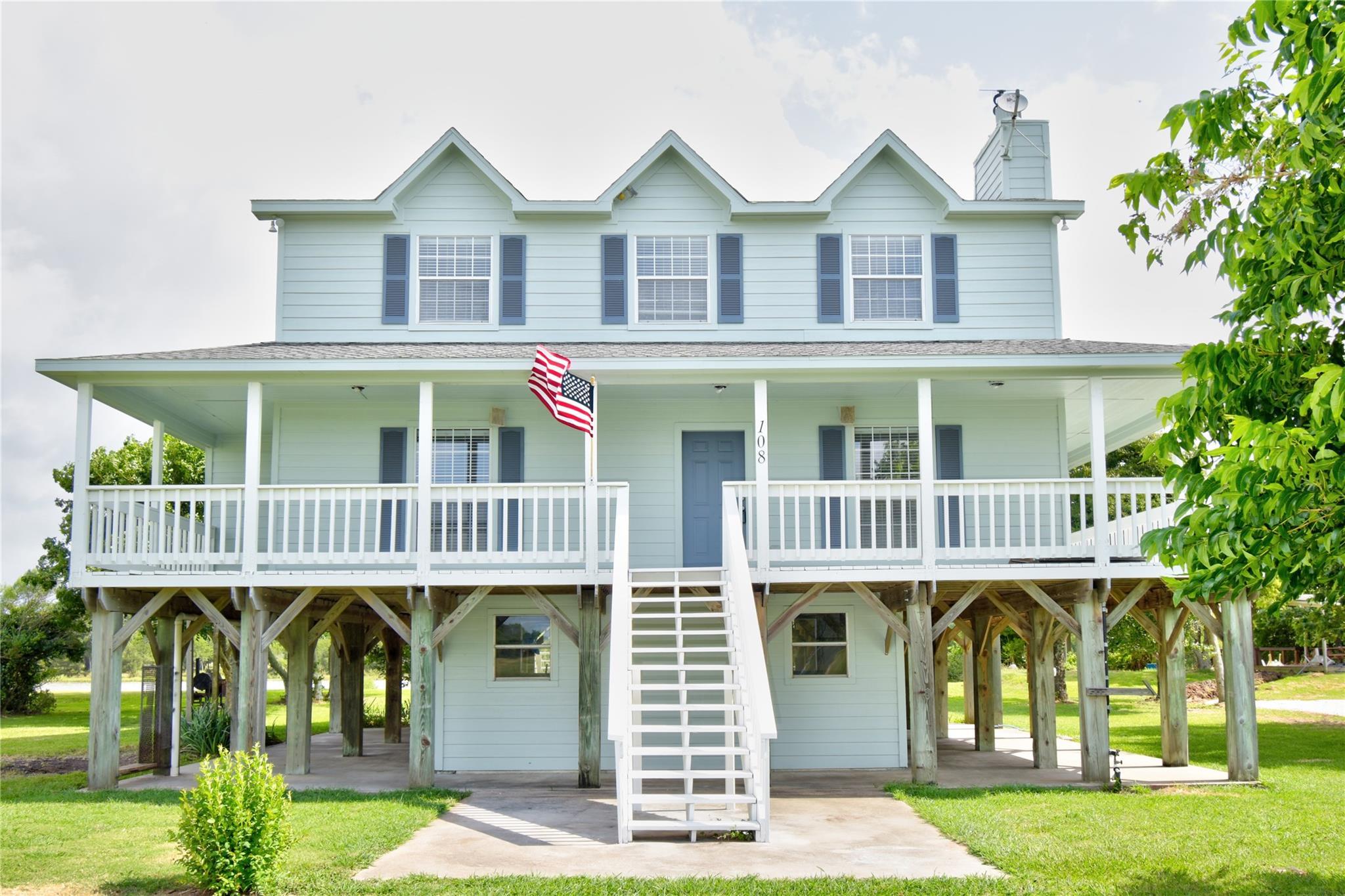 108 Rio Vista Drive Property Photo - Brazoria, TX real estate listing