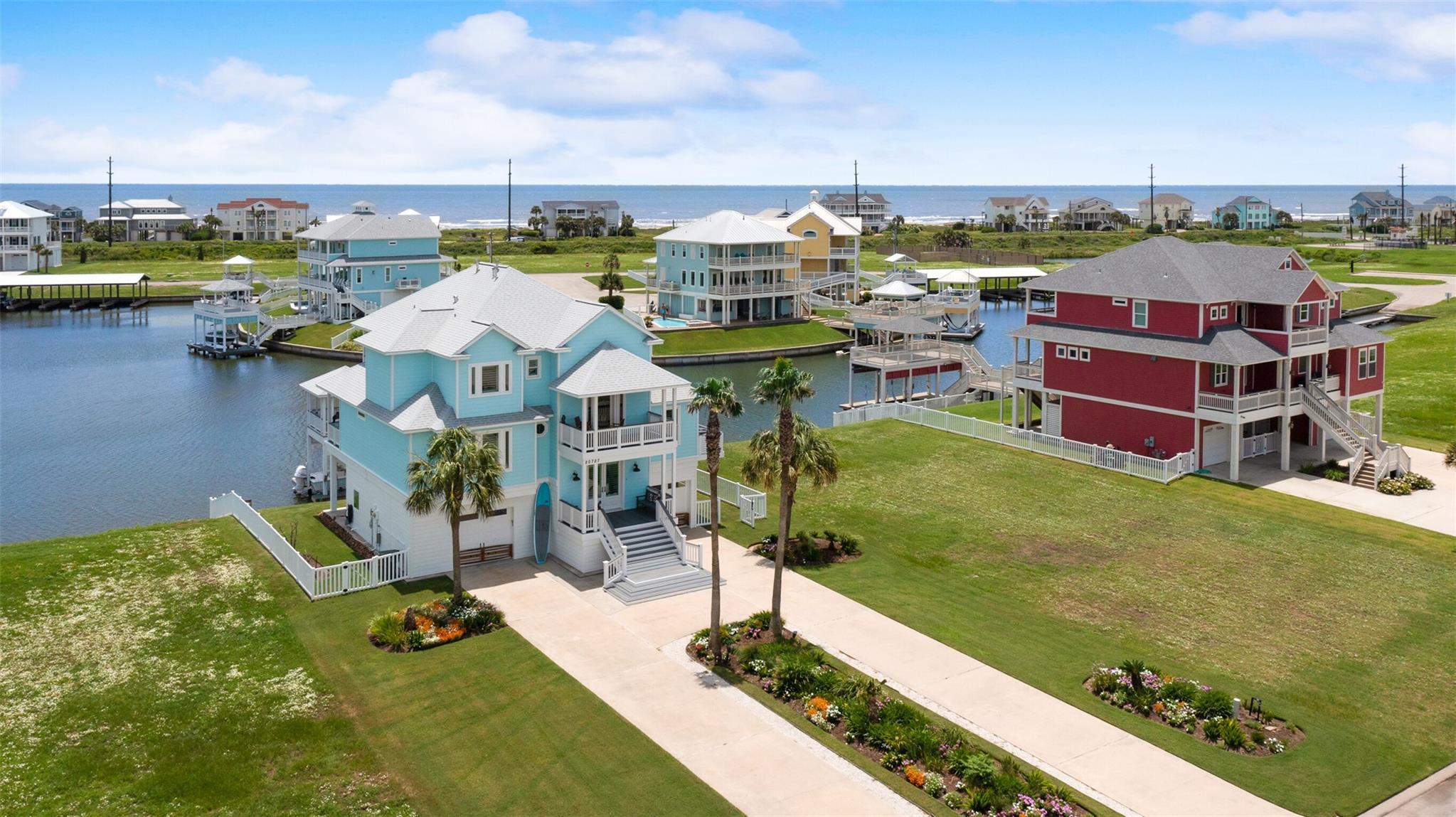 20727 E Sunset Bay Drive Property Photo 1