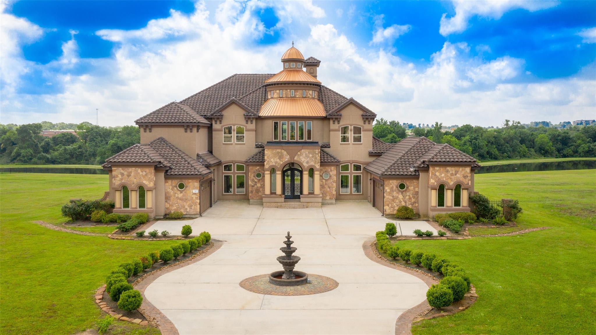 146 Mia Lago Drive Property Photo 1