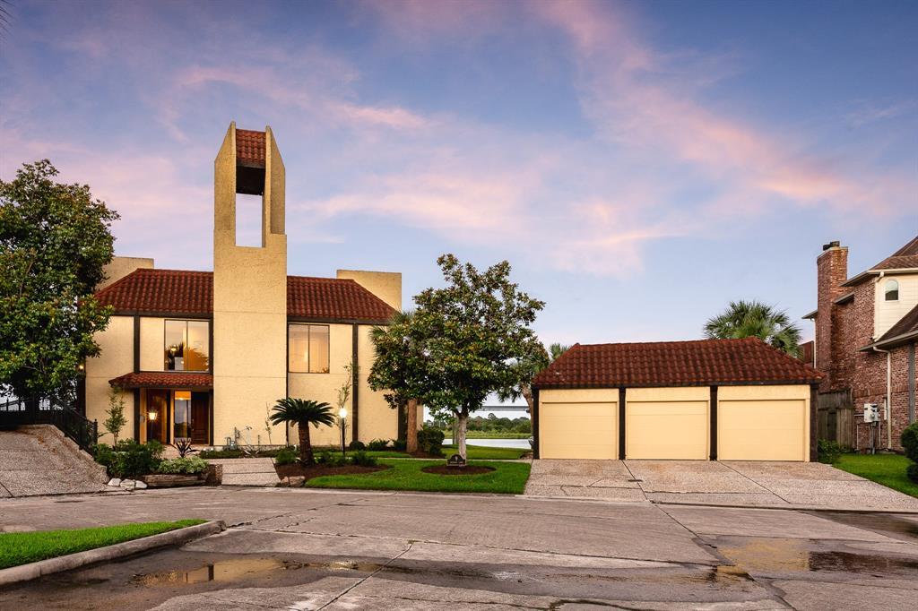 9 Leeward Lane Property Photo - Nassau Bay, TX real estate listing