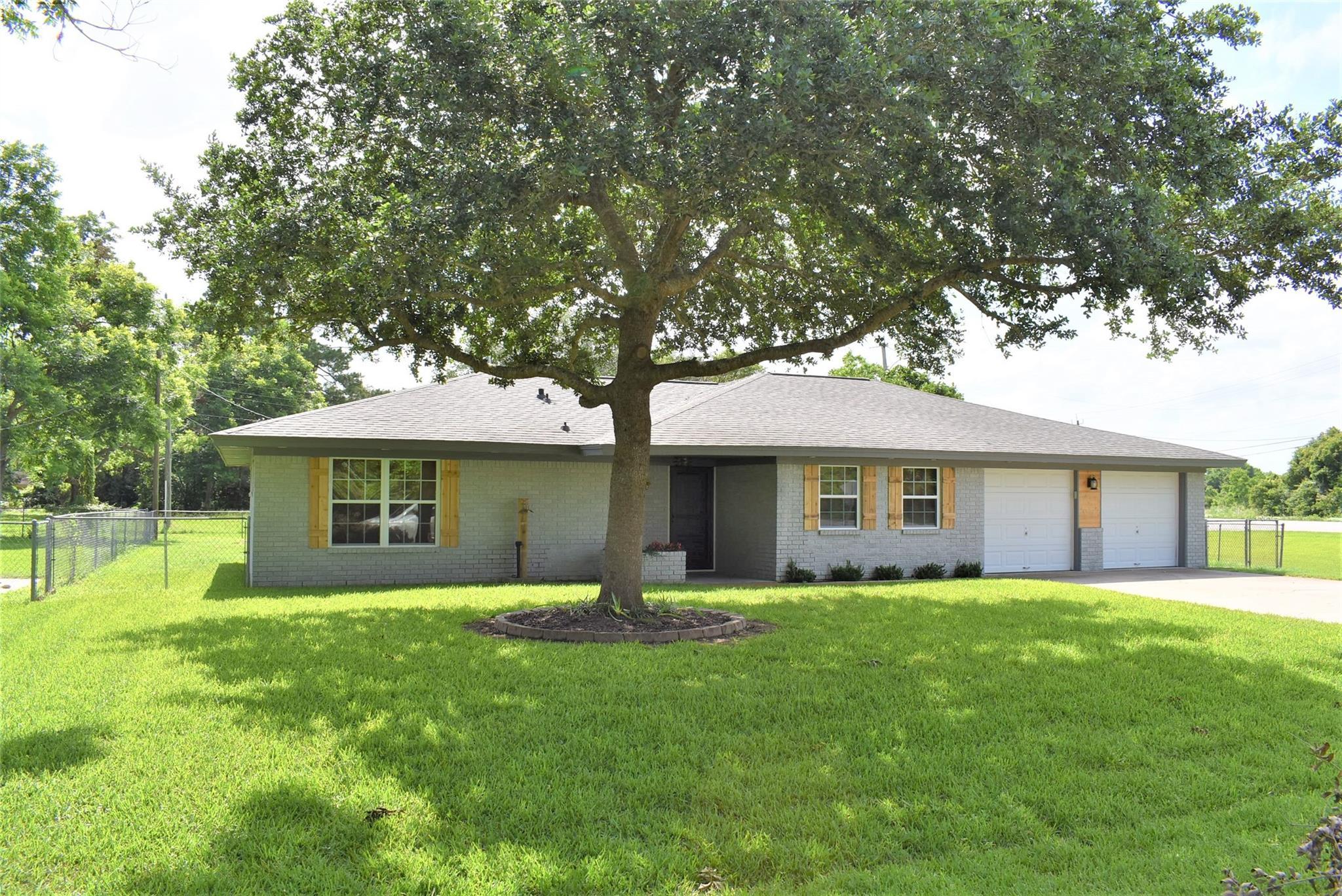 102 Meadow Lane Property Photo
