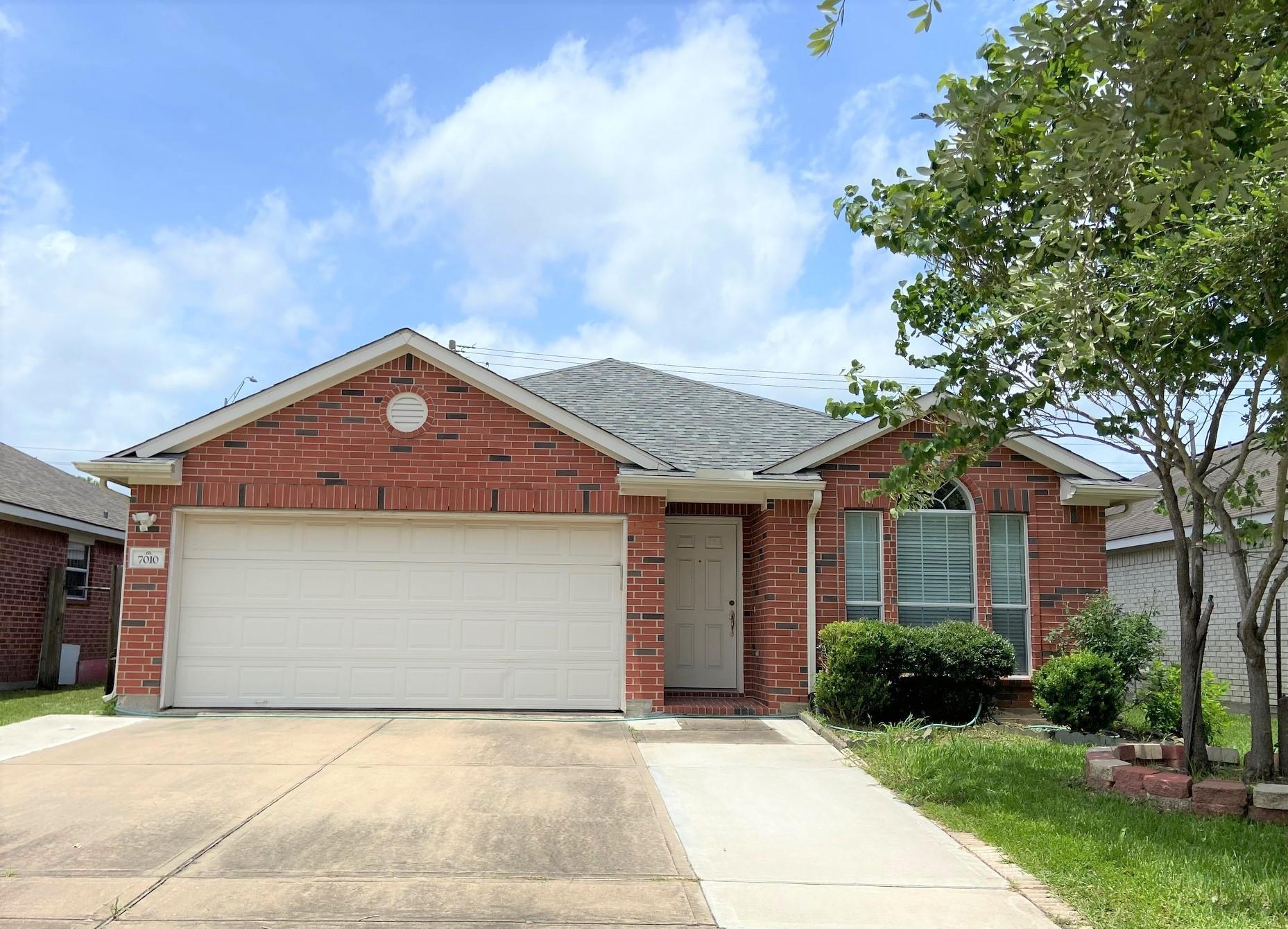7010 Westover Ridge Drive Property Photo