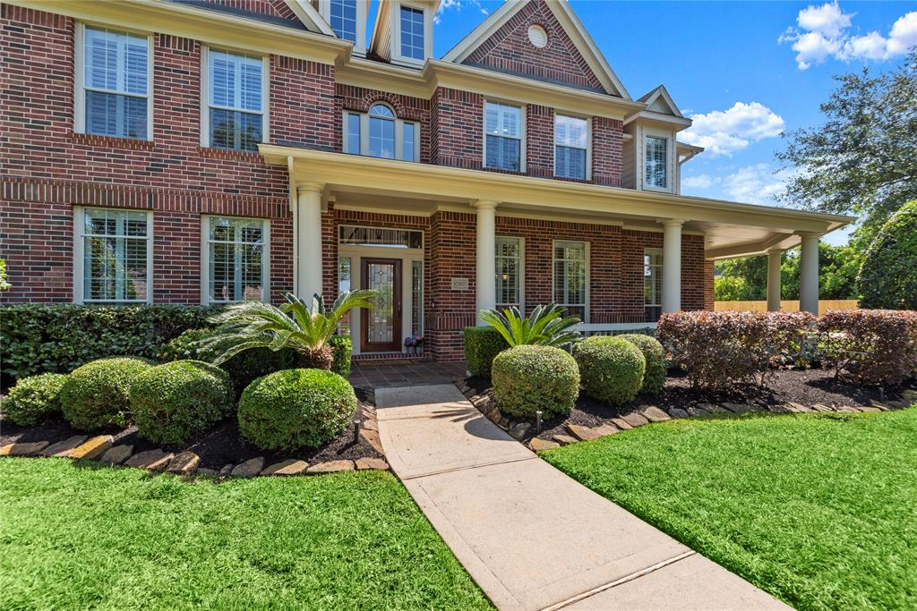 17707 Rose Garden Trail Property Photo - Cypress, TX real estate listing