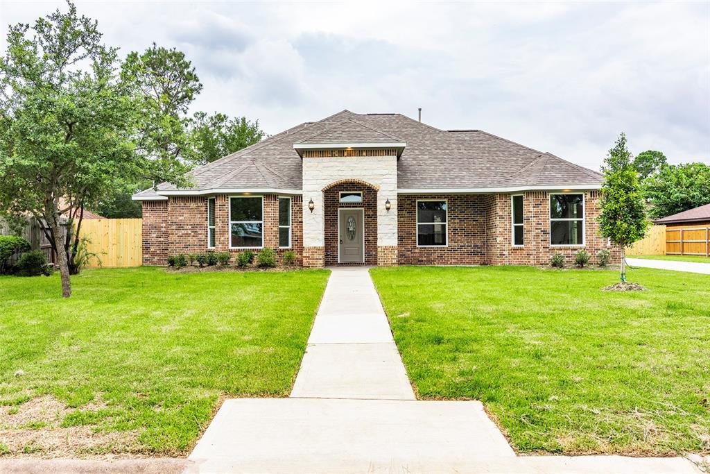 4803 Burning Tree Drive Property Photo - Baytown, TX real estate listing
