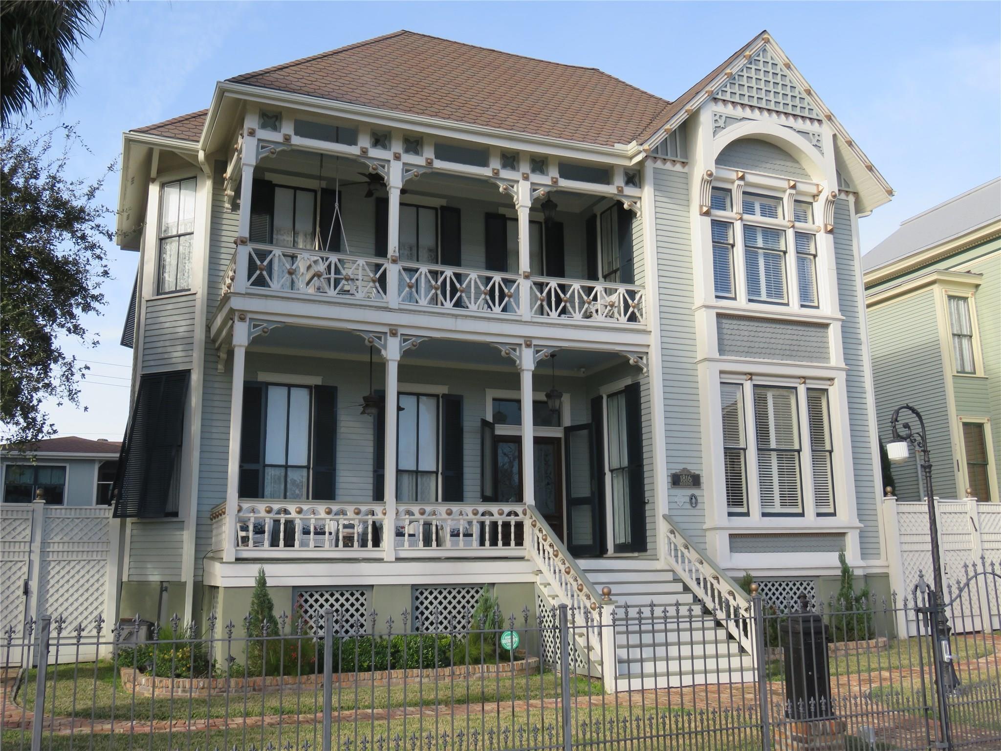 1816 Post Office Street Property Photo - Galveston, TX real estate listing