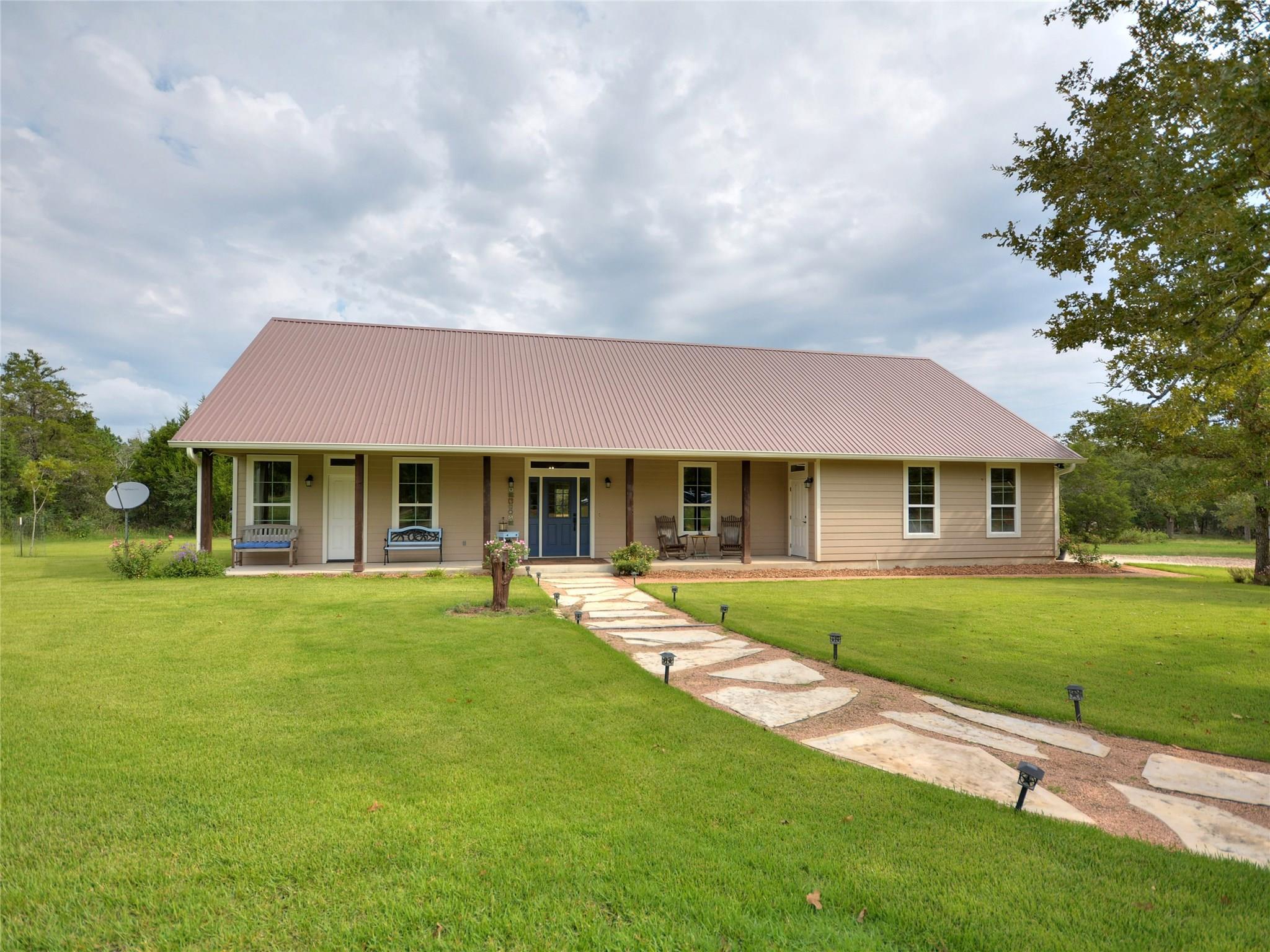 182 Wrangler Lane Property Photo - Smithville, TX real estate listing