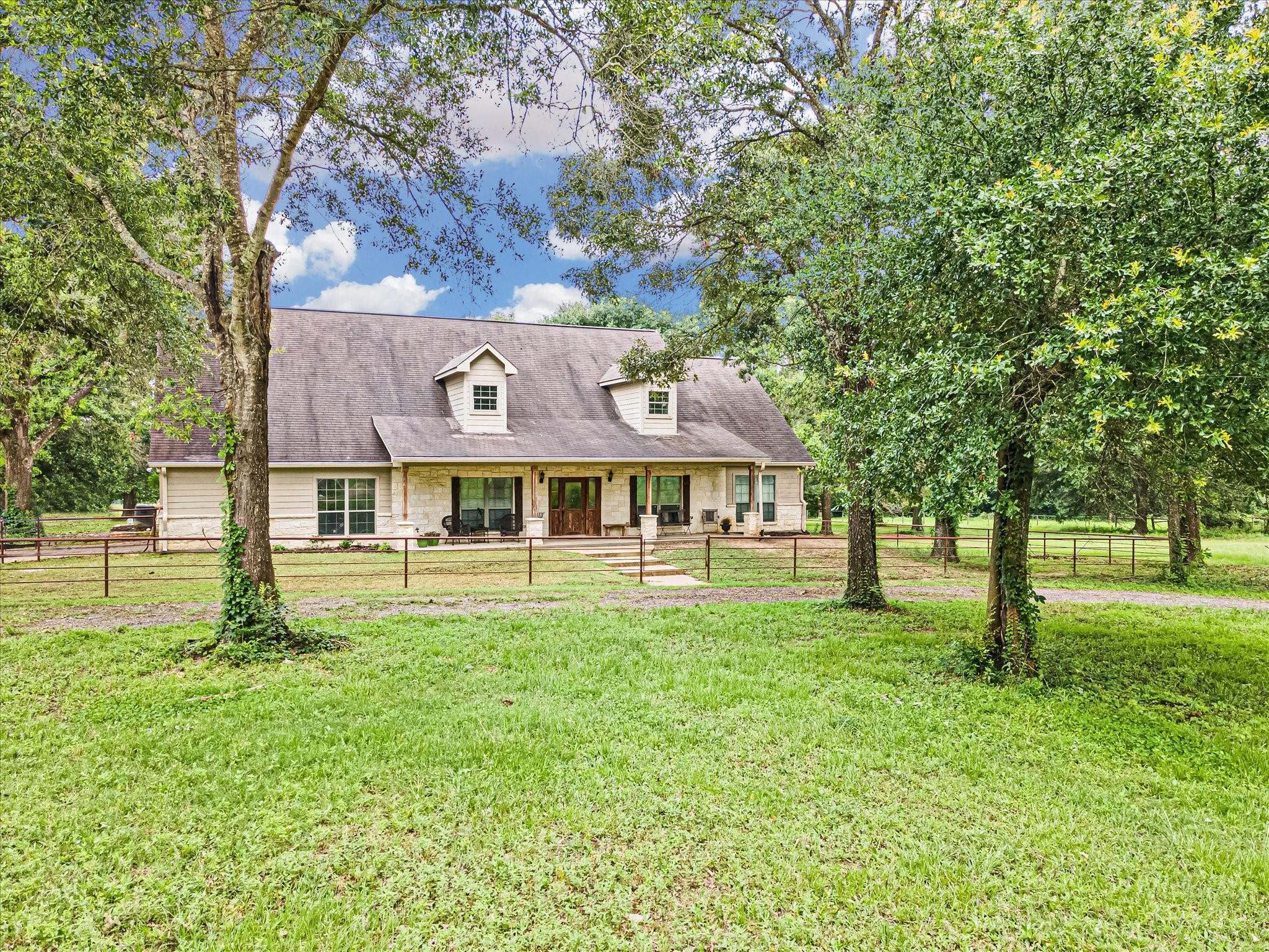 6 Oak Ridge Property Photo 1