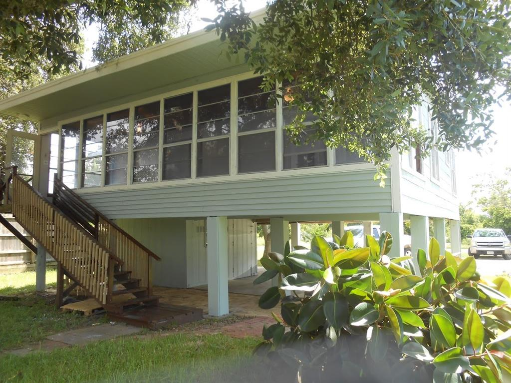 928 County Road 298 Property Photo - Sargent, TX real estate listing