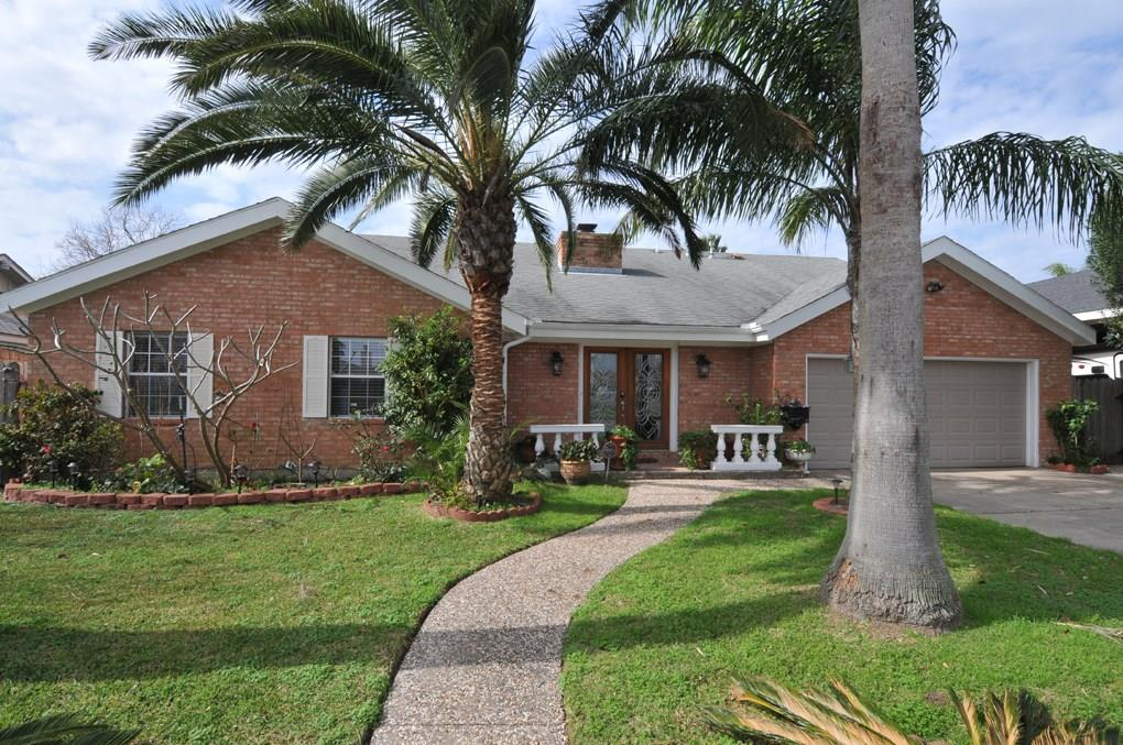 2417 Gerol Drive Property Photo - Galveston, TX real estate listing