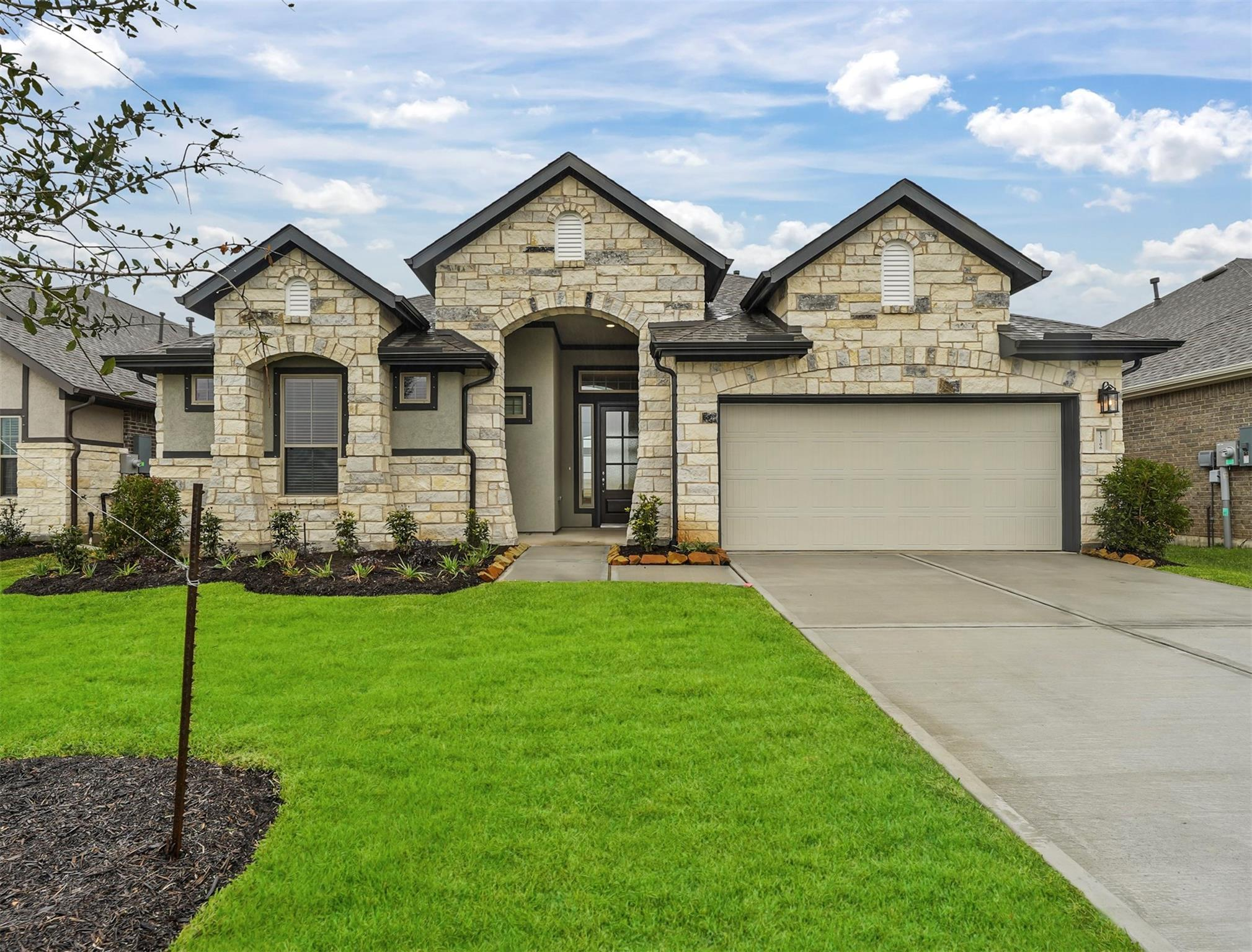 13106 Wintery Tide Drive Property Photo - Texas City, TX real estate listing
