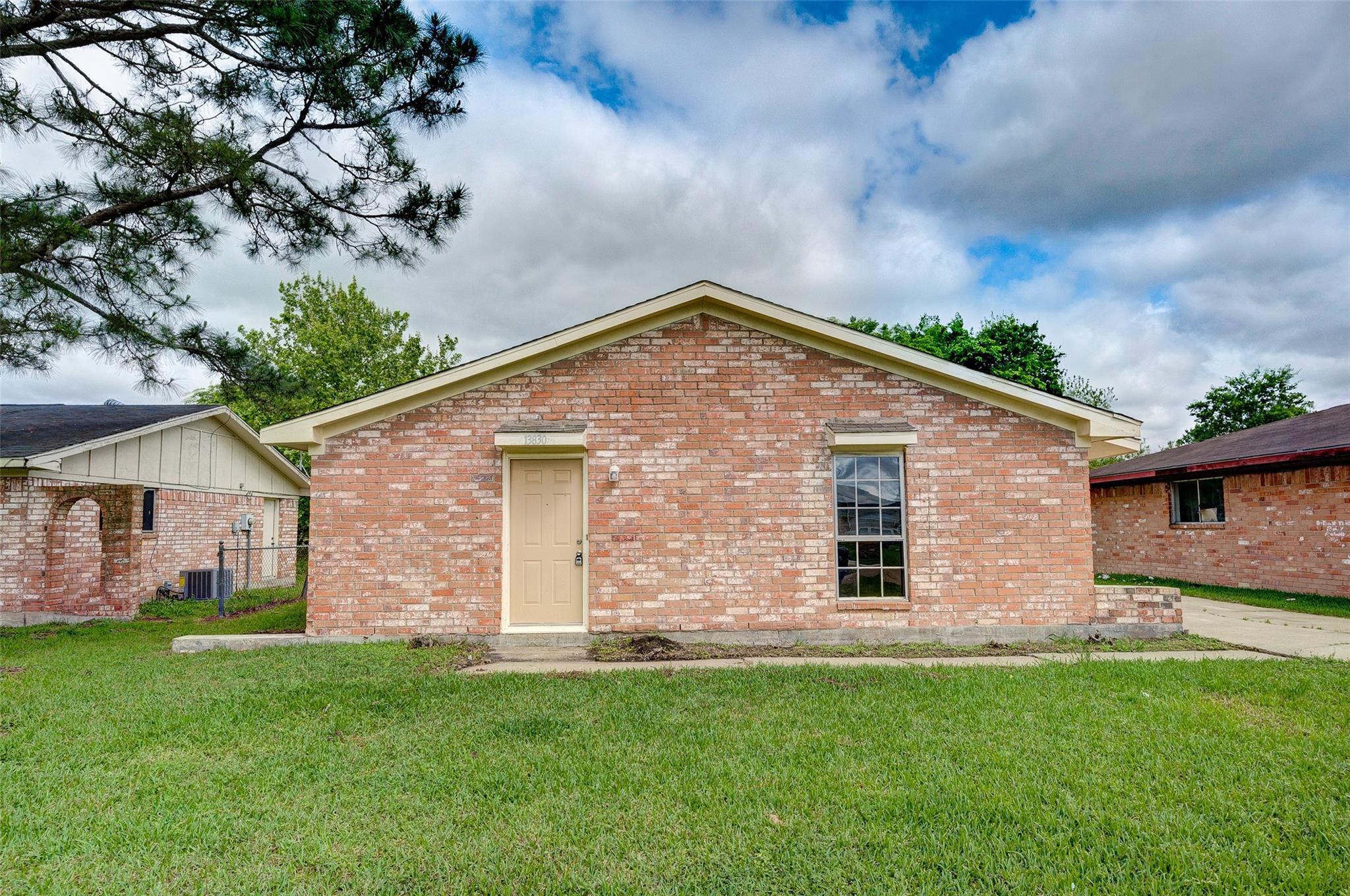 13830 Willie Melton Boulevard Property Photo - Kendleton, TX real estate listing