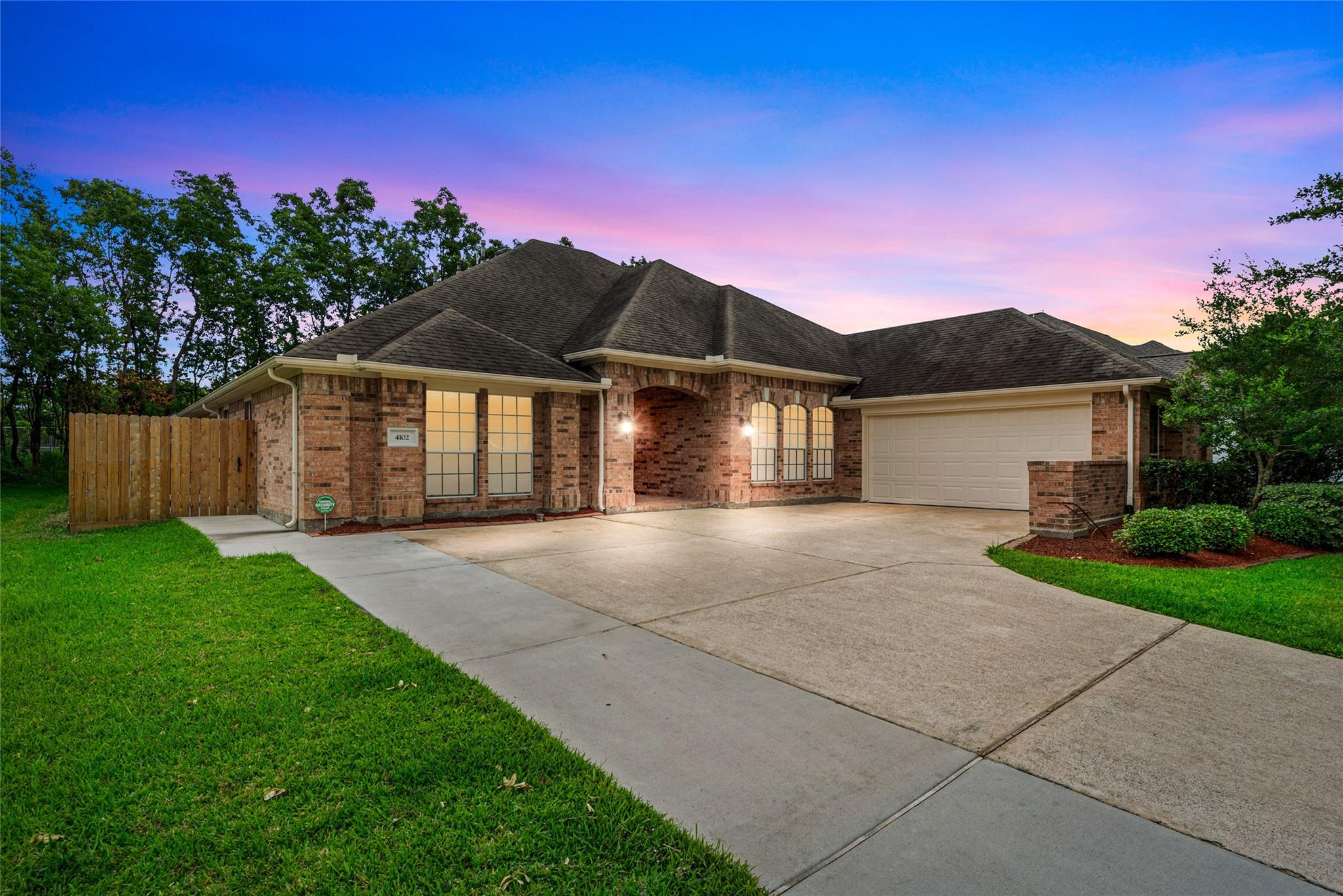 4102 Bear Creek Trace Trace Property Photo - Baytown, TX real estate listing