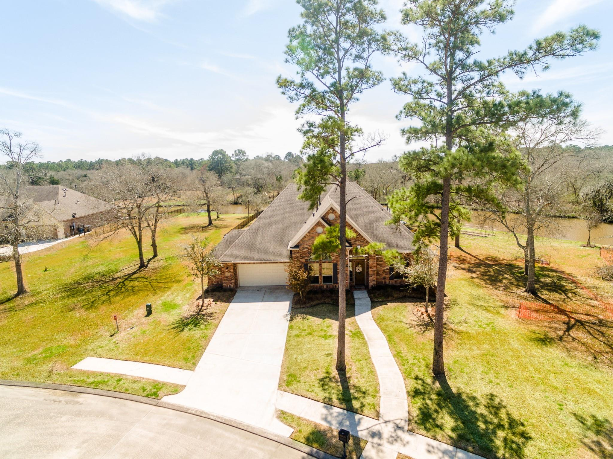 417 Old Orchard Drive Property Photo - Dickinson, TX real estate listing