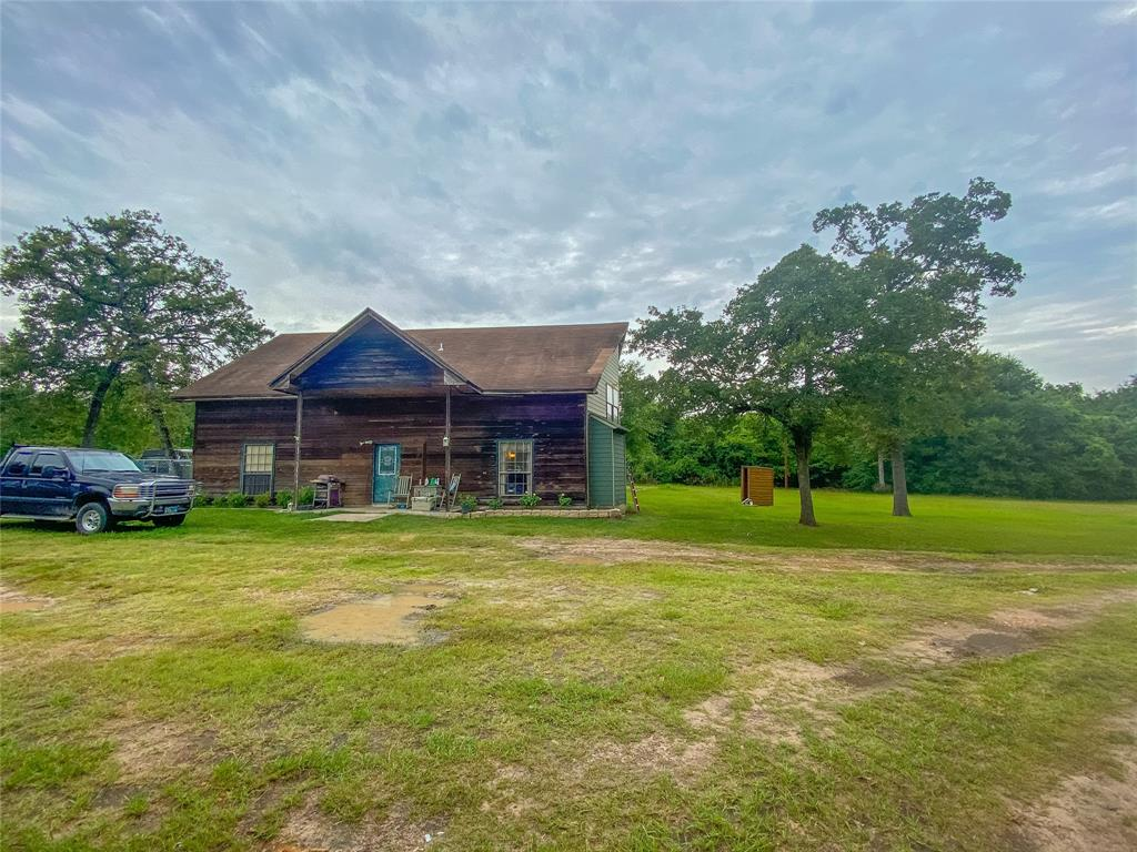 302 Pin Oak Property Photo - Snook, TX real estate listing