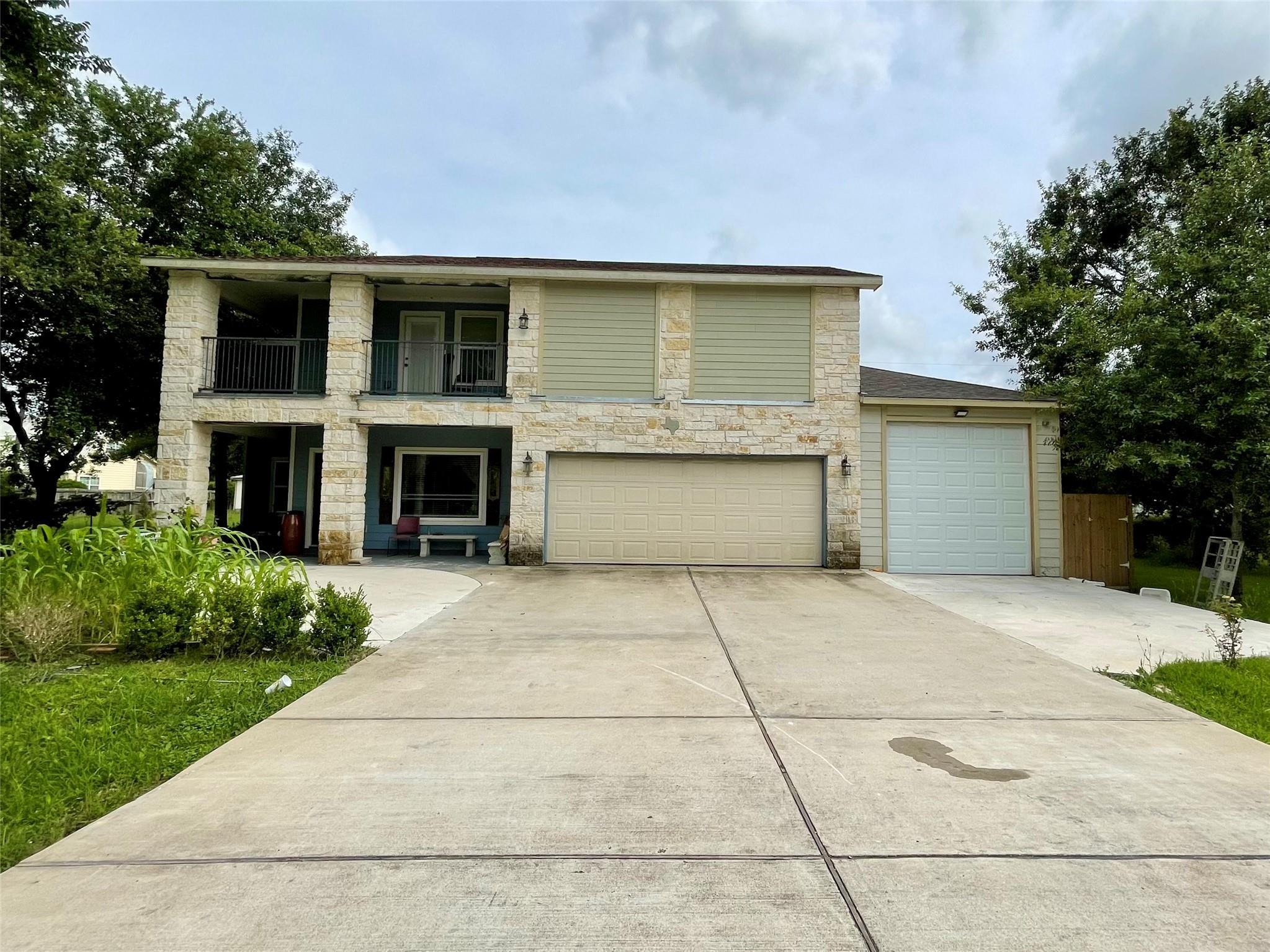 11014 Houston Drive Property Photo 1
