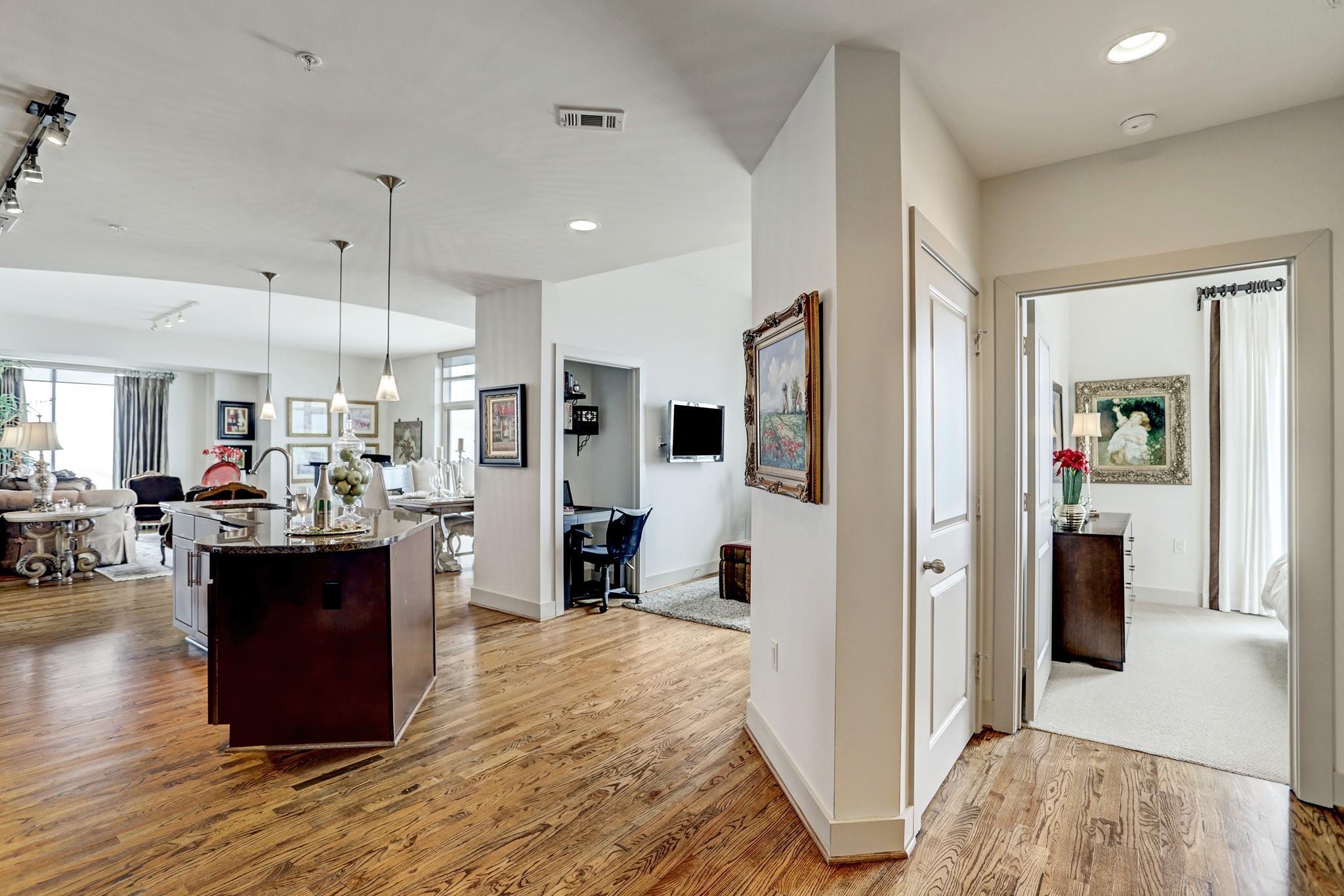 1400 Mckinney Street #3402 Property Photo