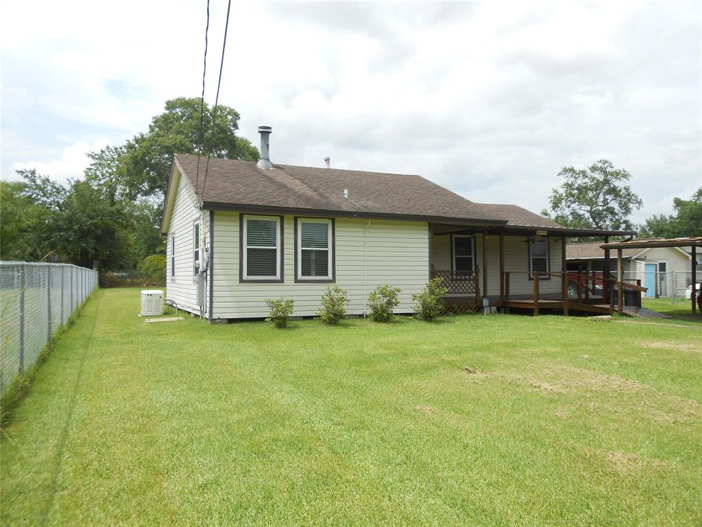 16433 Pecan Street Property Photo - Channelview, TX real estate listing