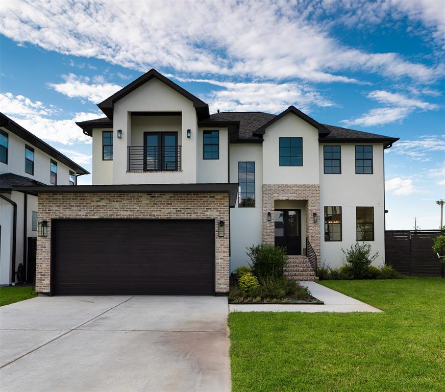 5038 Bayou Ridge Drive Property Photo - Houston, TX real estate listing