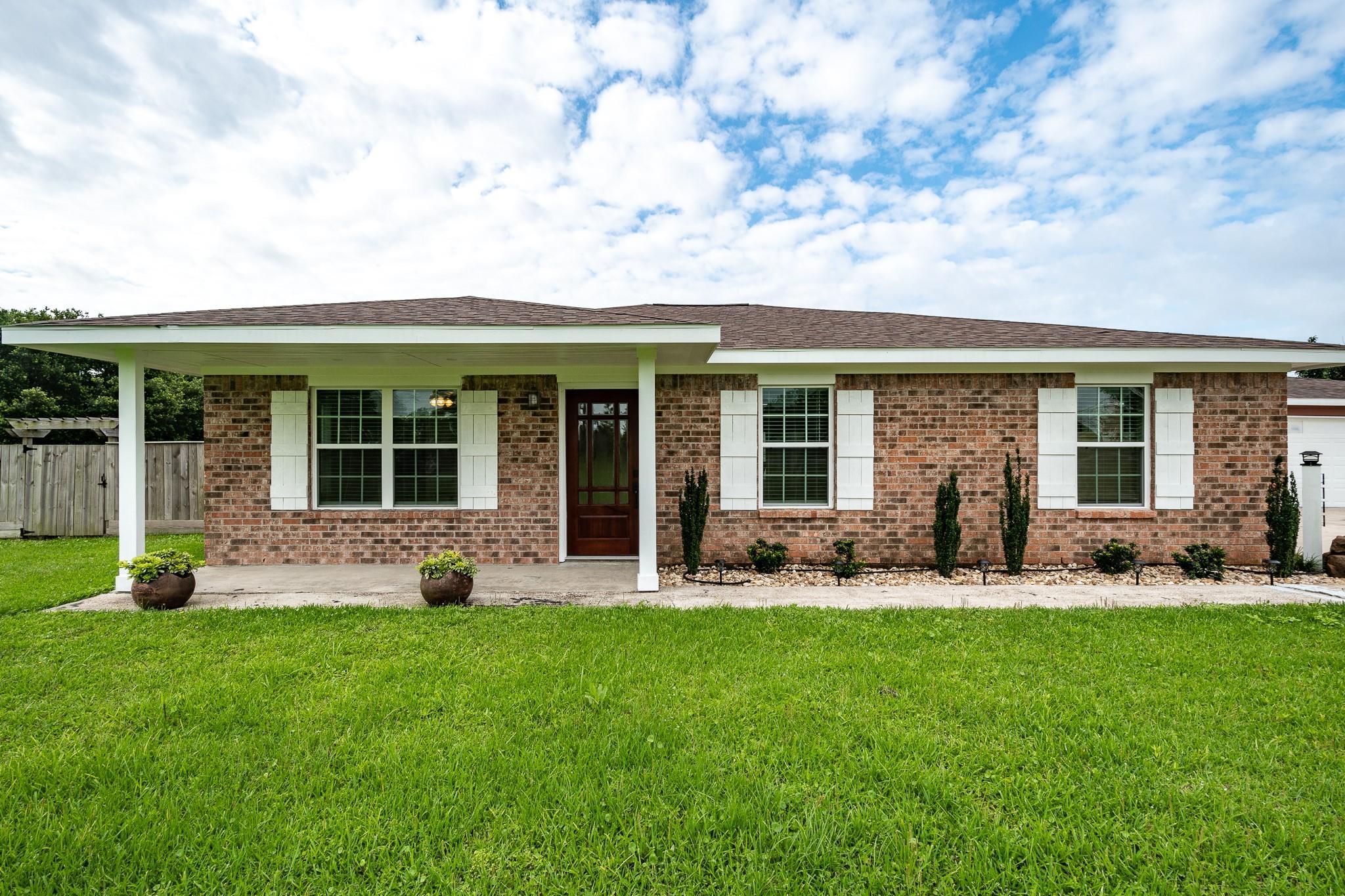 8704 Lennie Lane Property Photo