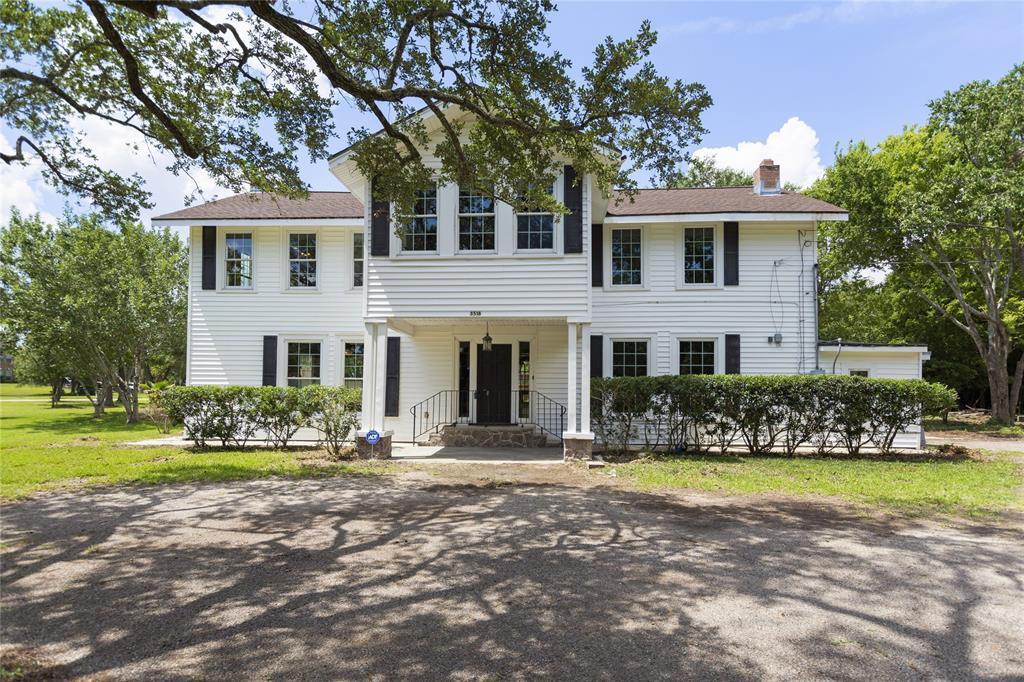 3518 E Country Club Drive Property Photo - Shoreacres, TX real estate listing