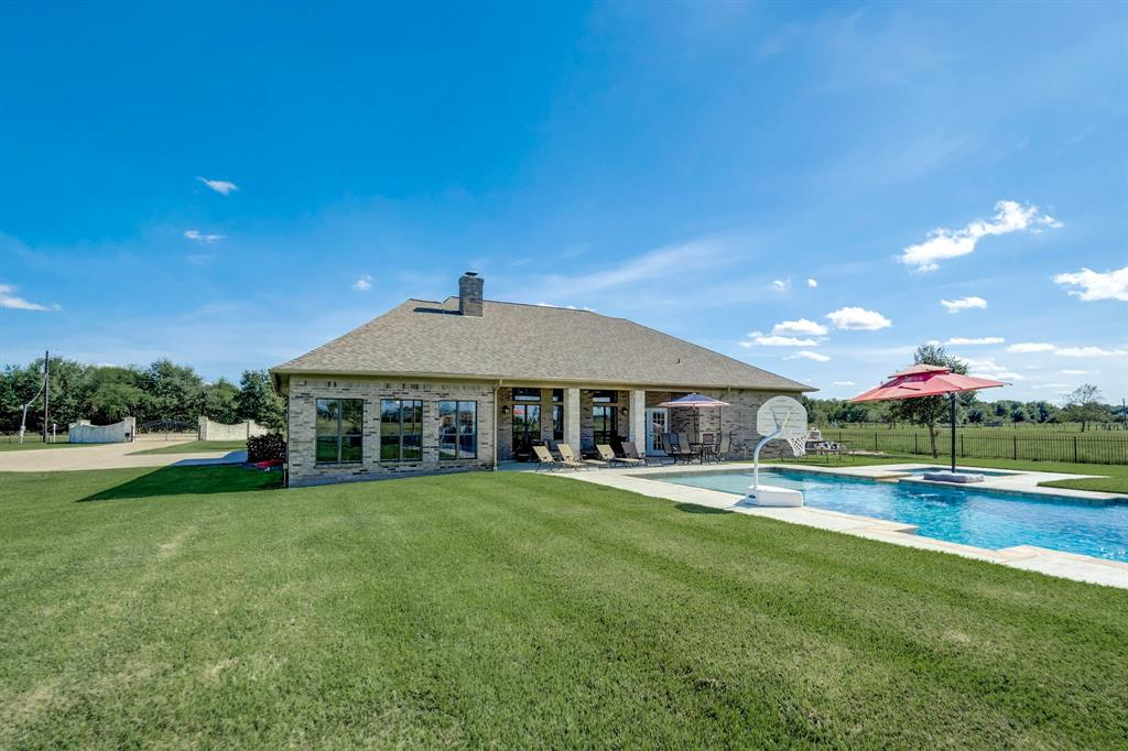 16028 County Road 522 Road Property Photo - Guy, TX real estate listing