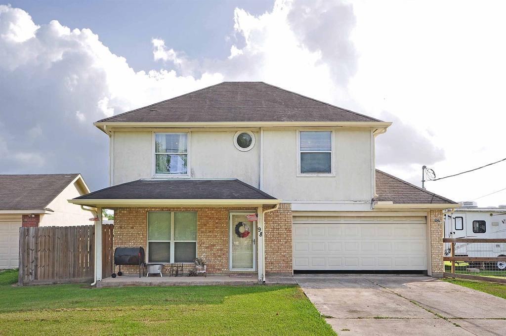 98 4th Street Property Photo - Van Vleck, TX real estate listing