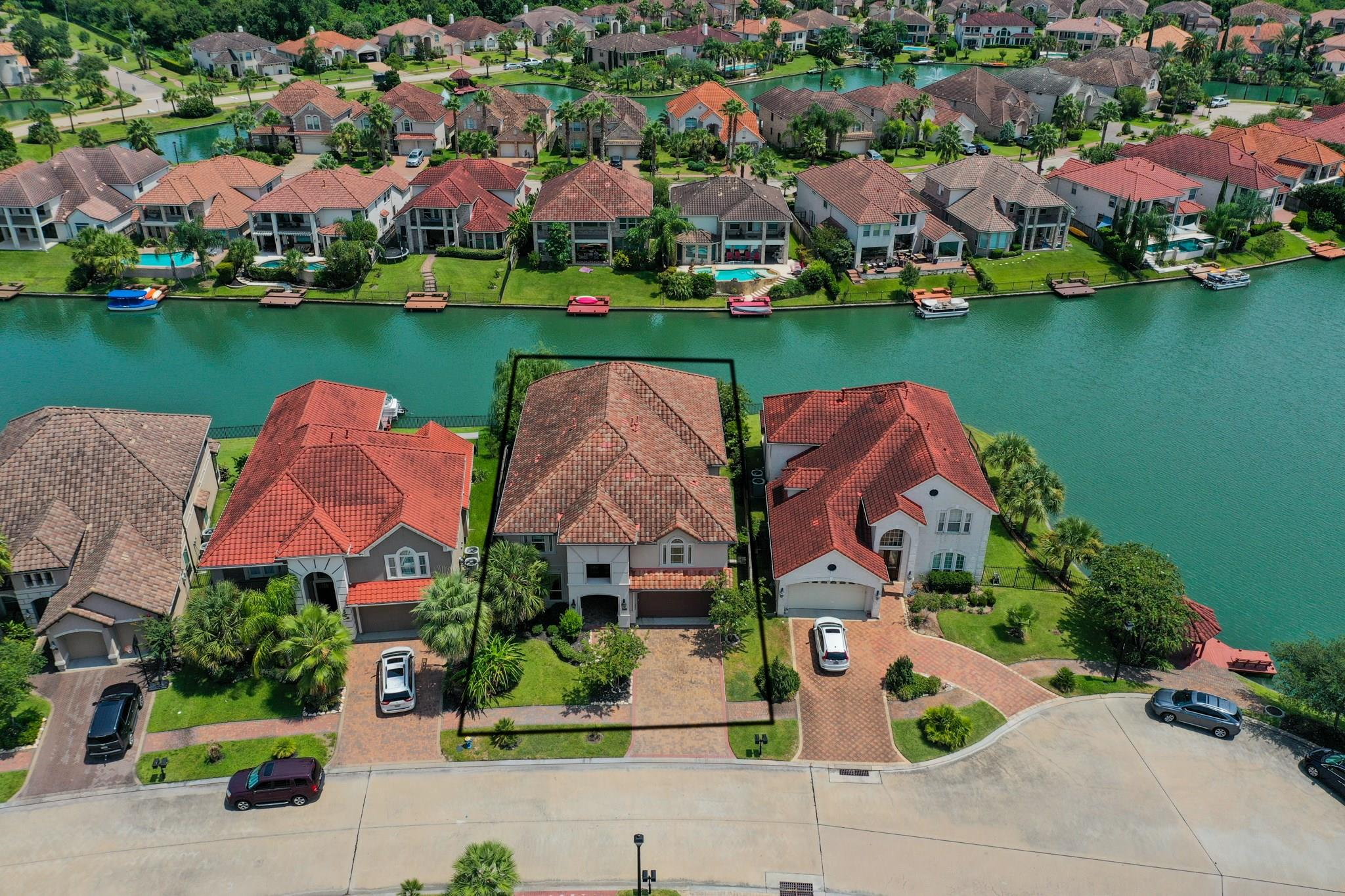 19014 Windsor Palms Drive Property Photo - Houston, TX real estate listing