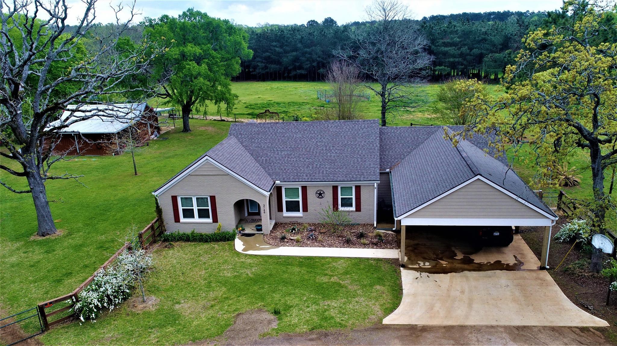 3748 FM 228 Property Photo - Grapeland, TX real estate listing