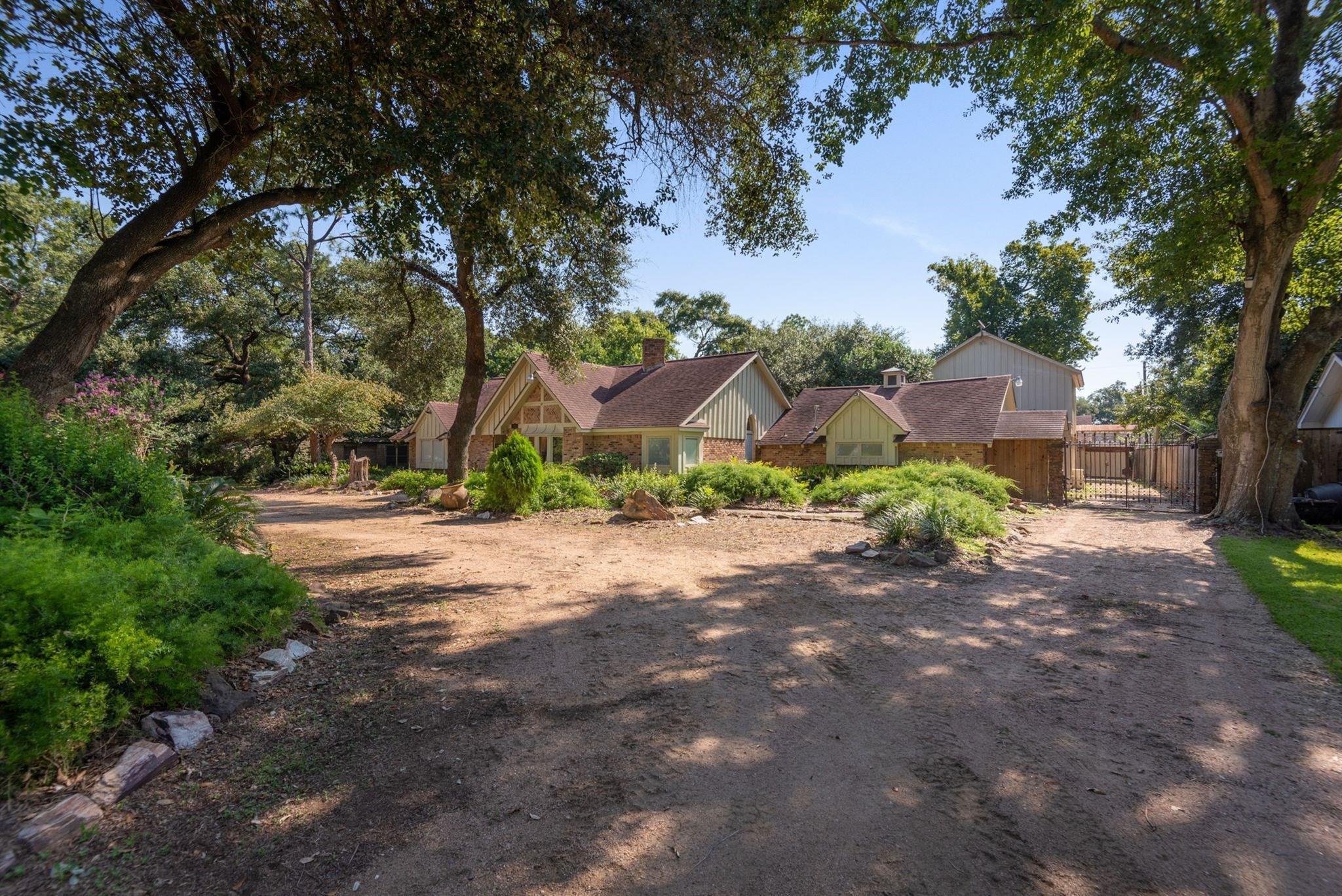 8903 Bonhomme Road Property Photo - Houston, TX real estate listing