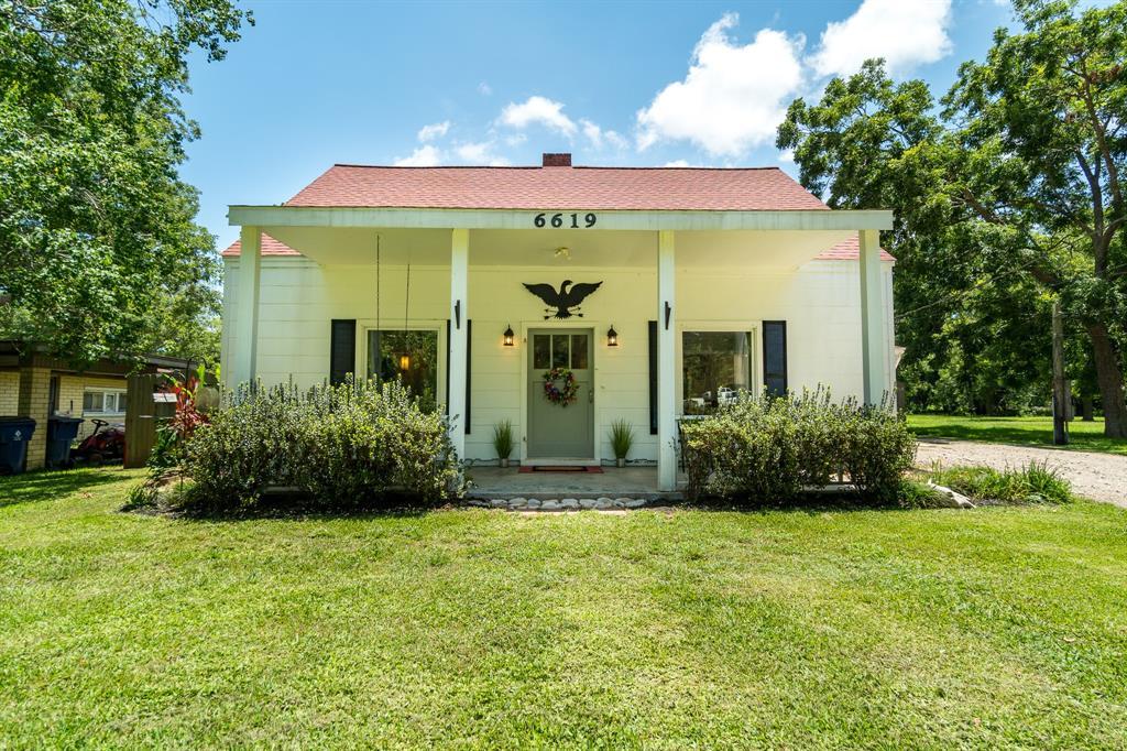 6619 Stephen F Austin Road Property Photo - Jones Creek, TX real estate listing