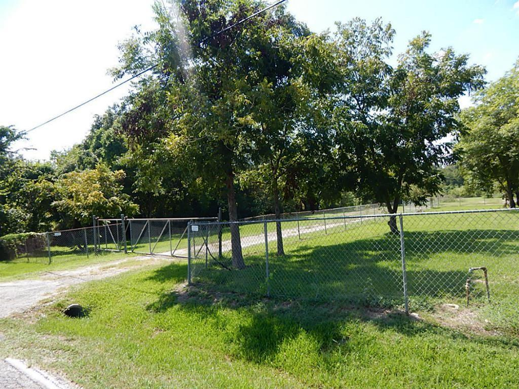 906 Elsbeth, Channelview, TX 77530 - Channelview, TX real estate listing