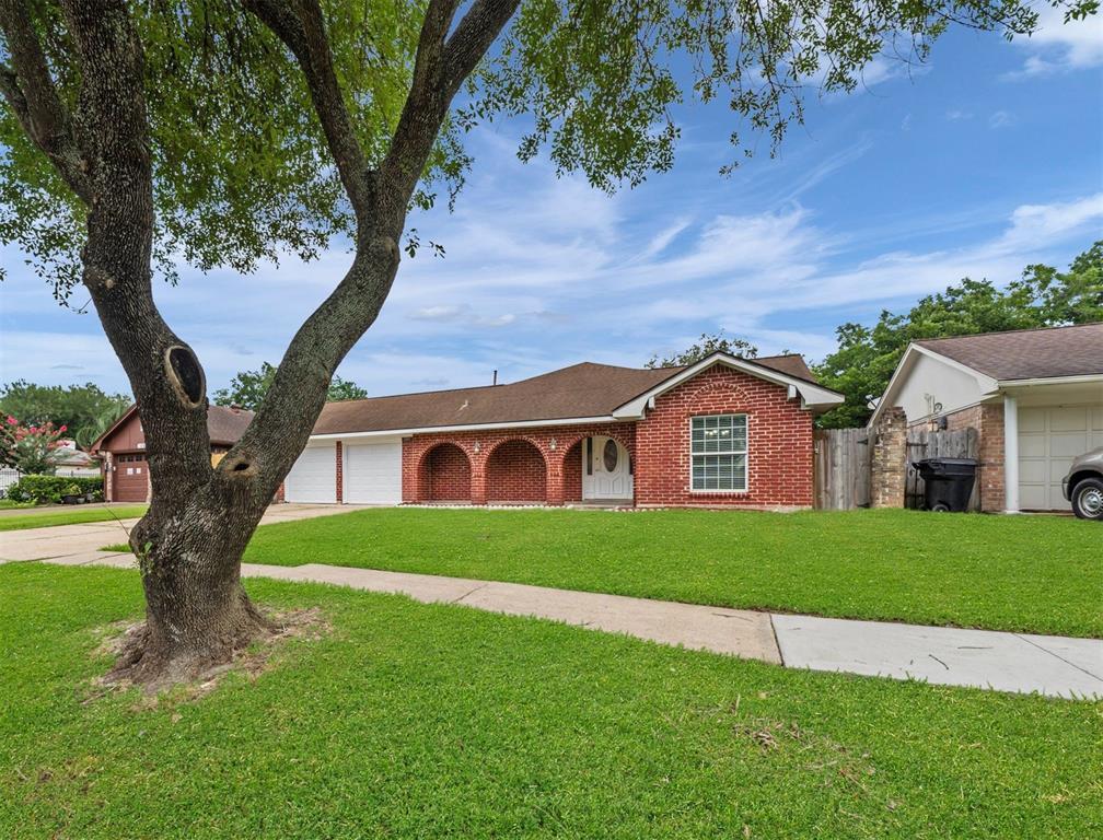 10307 Kirkglen Drive Property Photo - Houston, TX real estate listing