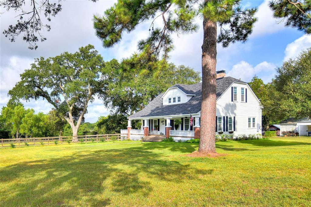 631 West Sander Street, Bellville, TX 77418 - Bellville, TX real estate listing
