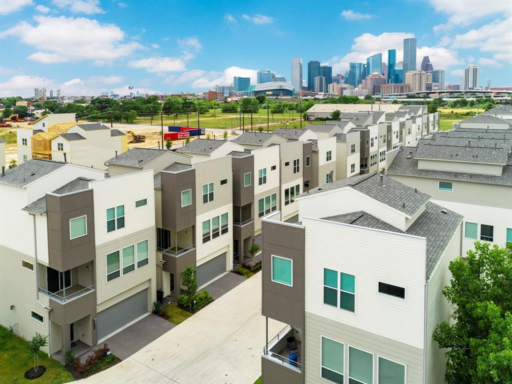 2771 Clinton Drive Property Photo - Houston, TX real estate listing